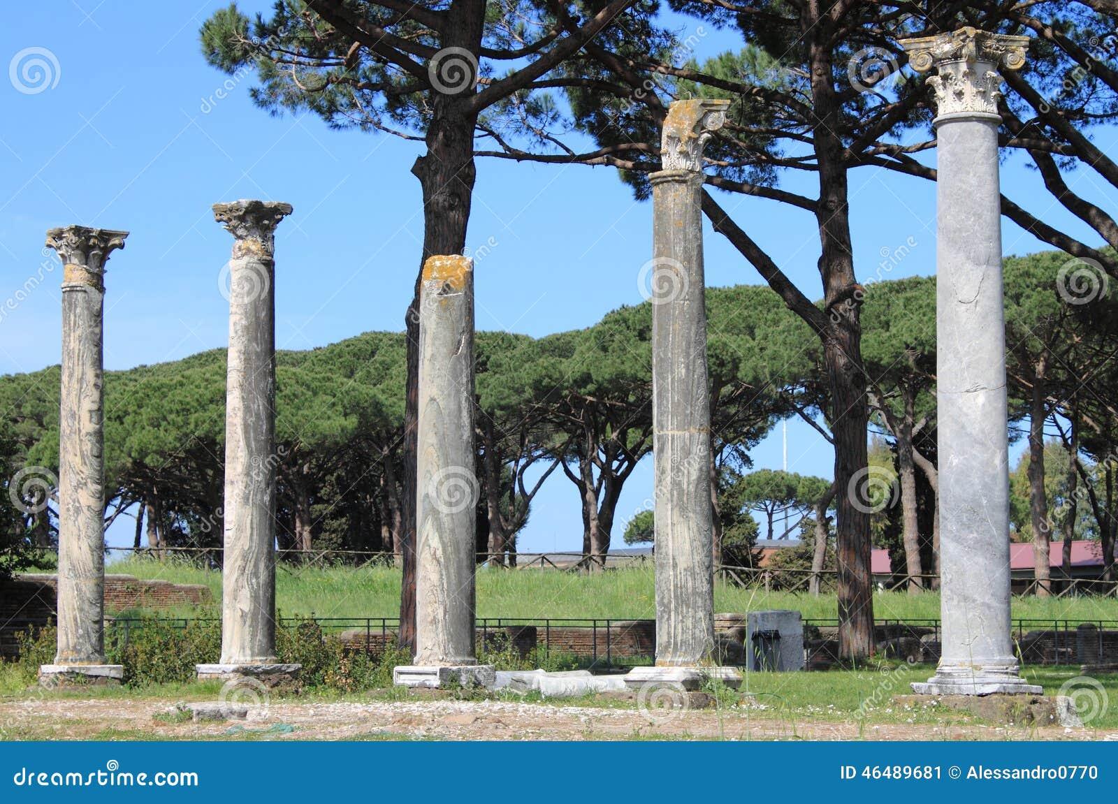 Columns of an ancient roman temple stock photo image for Mr arredamenti ostia antica