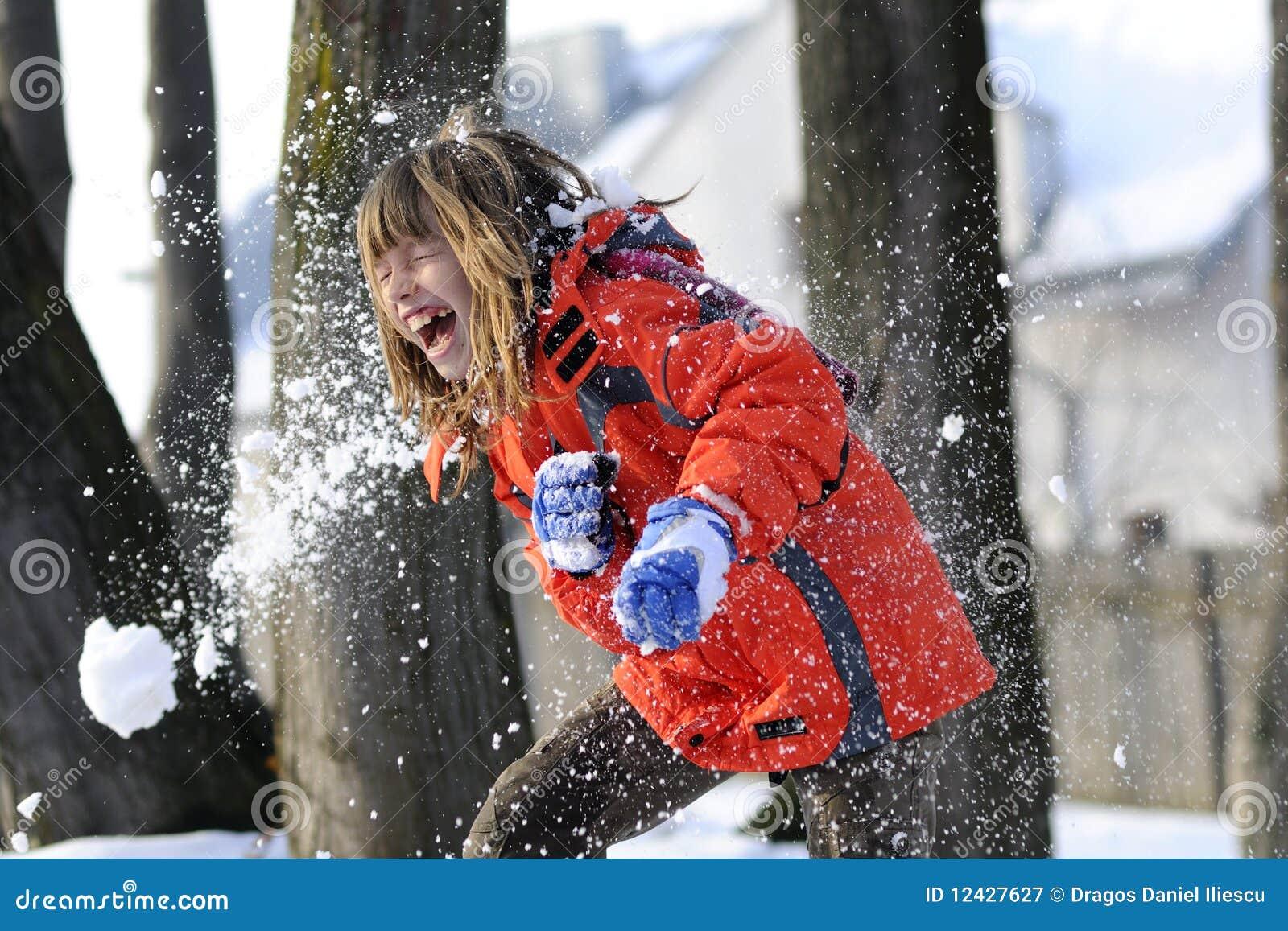 Combat avec la neige