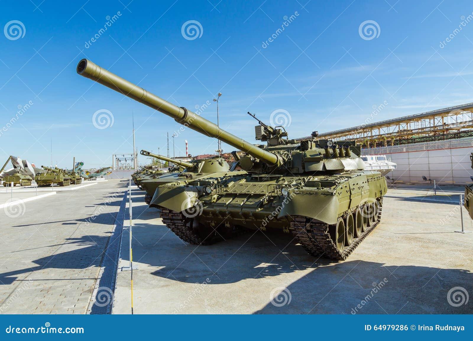 Combata el tanque soviético, un objeto expuesto del museo militar-histórico, Ekaterinburg, Rusia