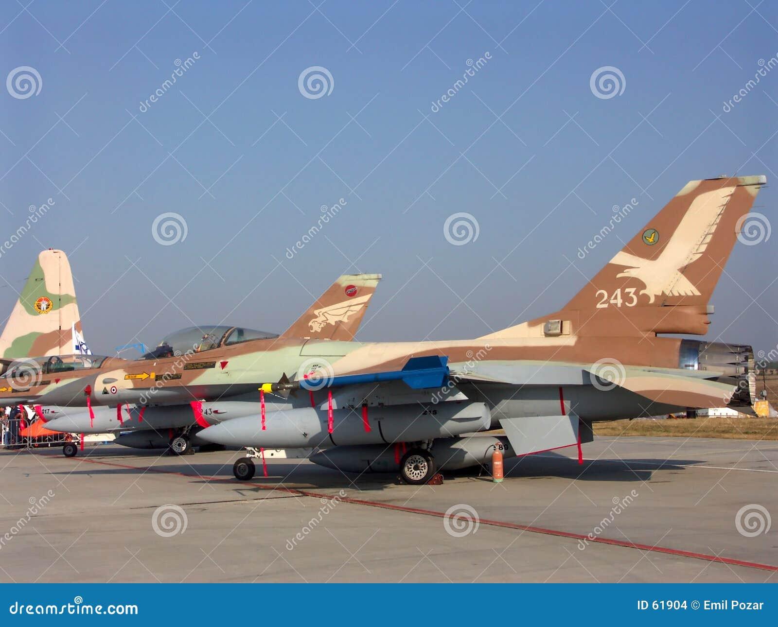 Combatiente israelí F-16