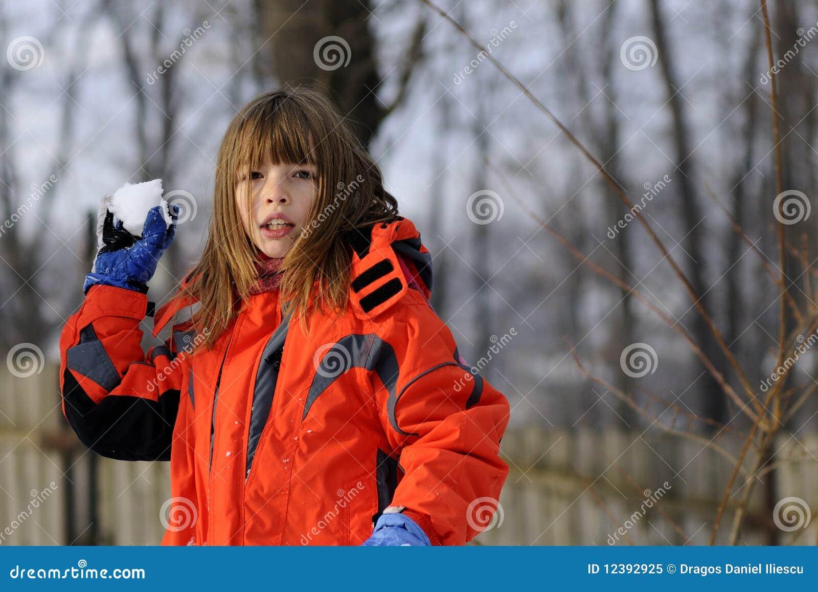 Combattimento divertente della ragazza con le palle di for Antifurto con le palle