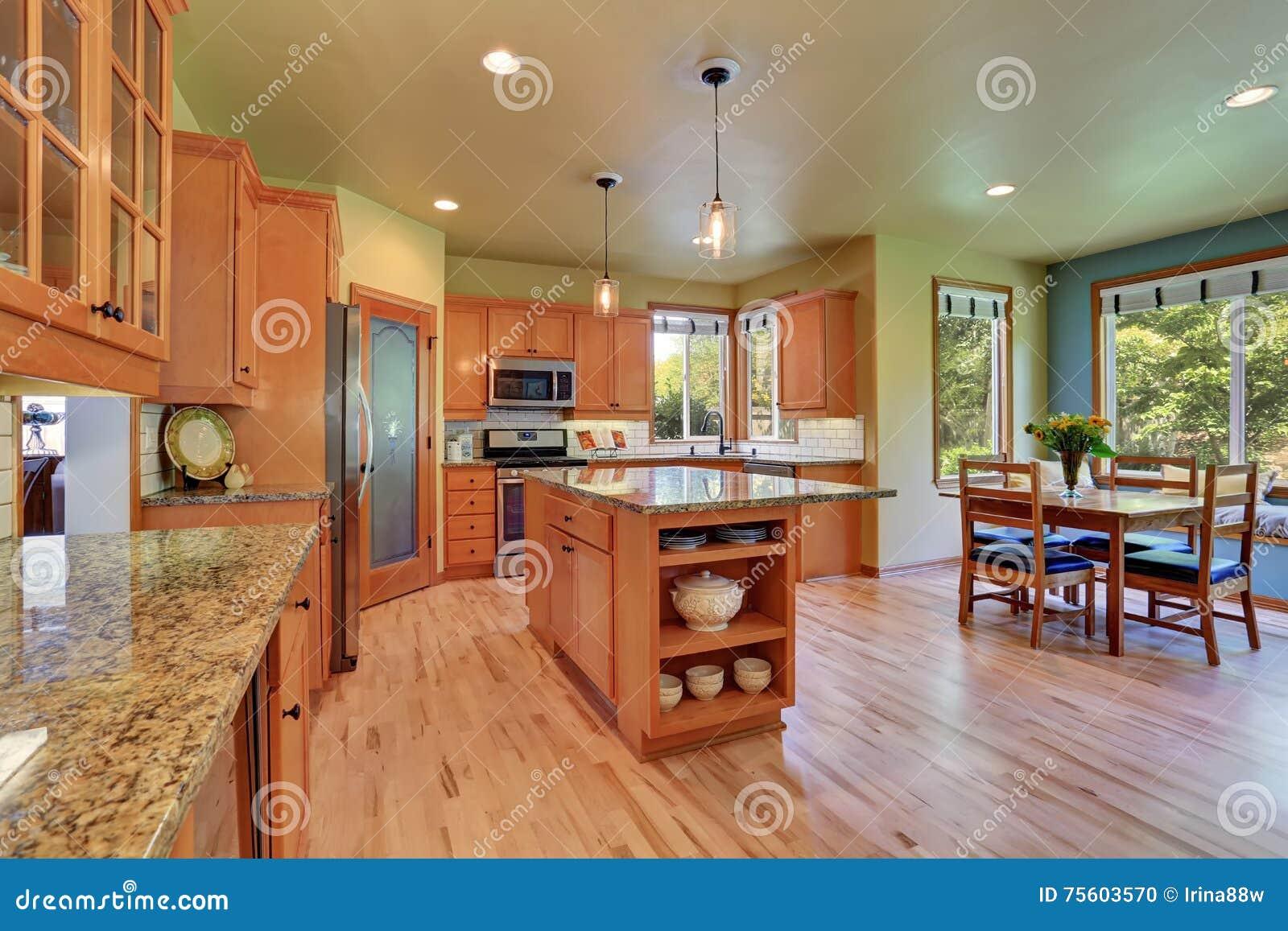 Magnífico Mesa De Cocina Con Cabina De Almacenamiento Adorno - Ideas ...