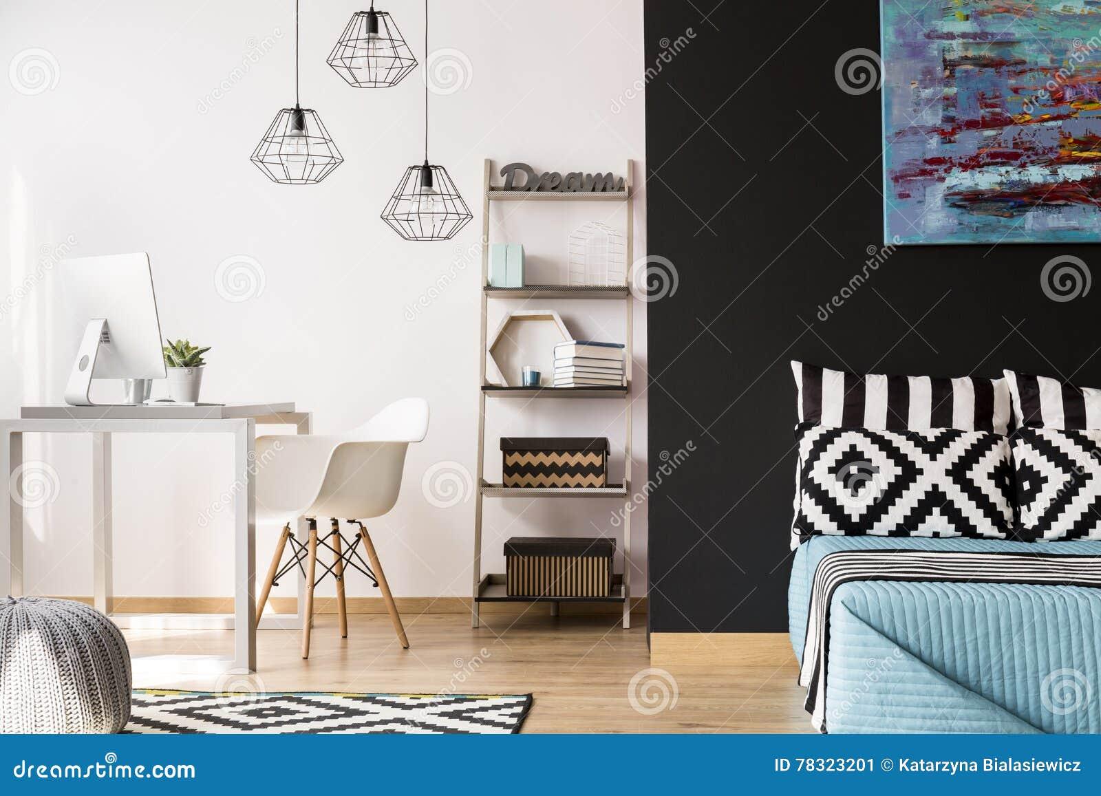 Chambre dune adolescente moderne avec armoire et bureau maison