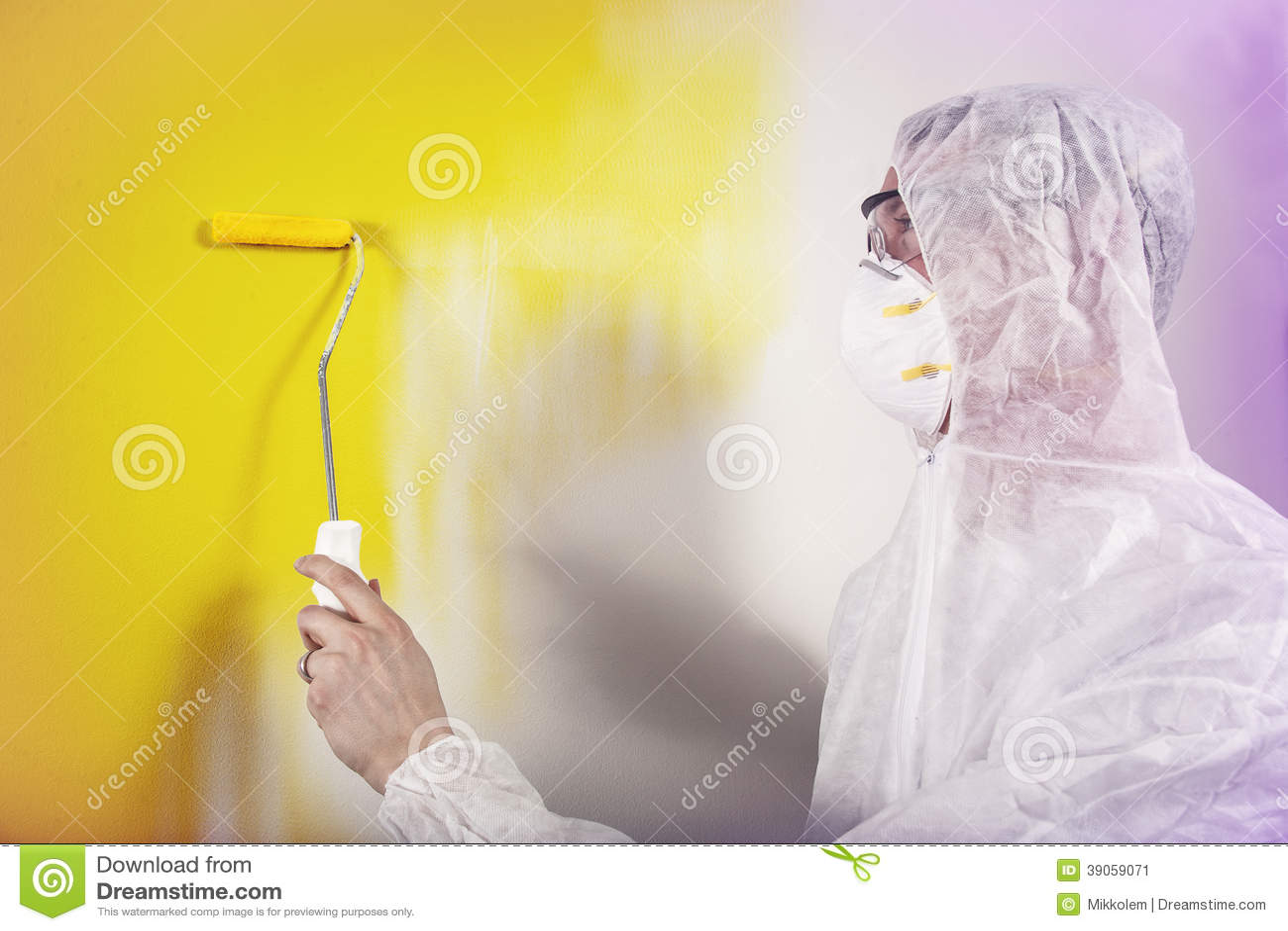Combinaisons de port de mur de peinture de peintre photo stock image 39059071 - Retouche peinture mur ...