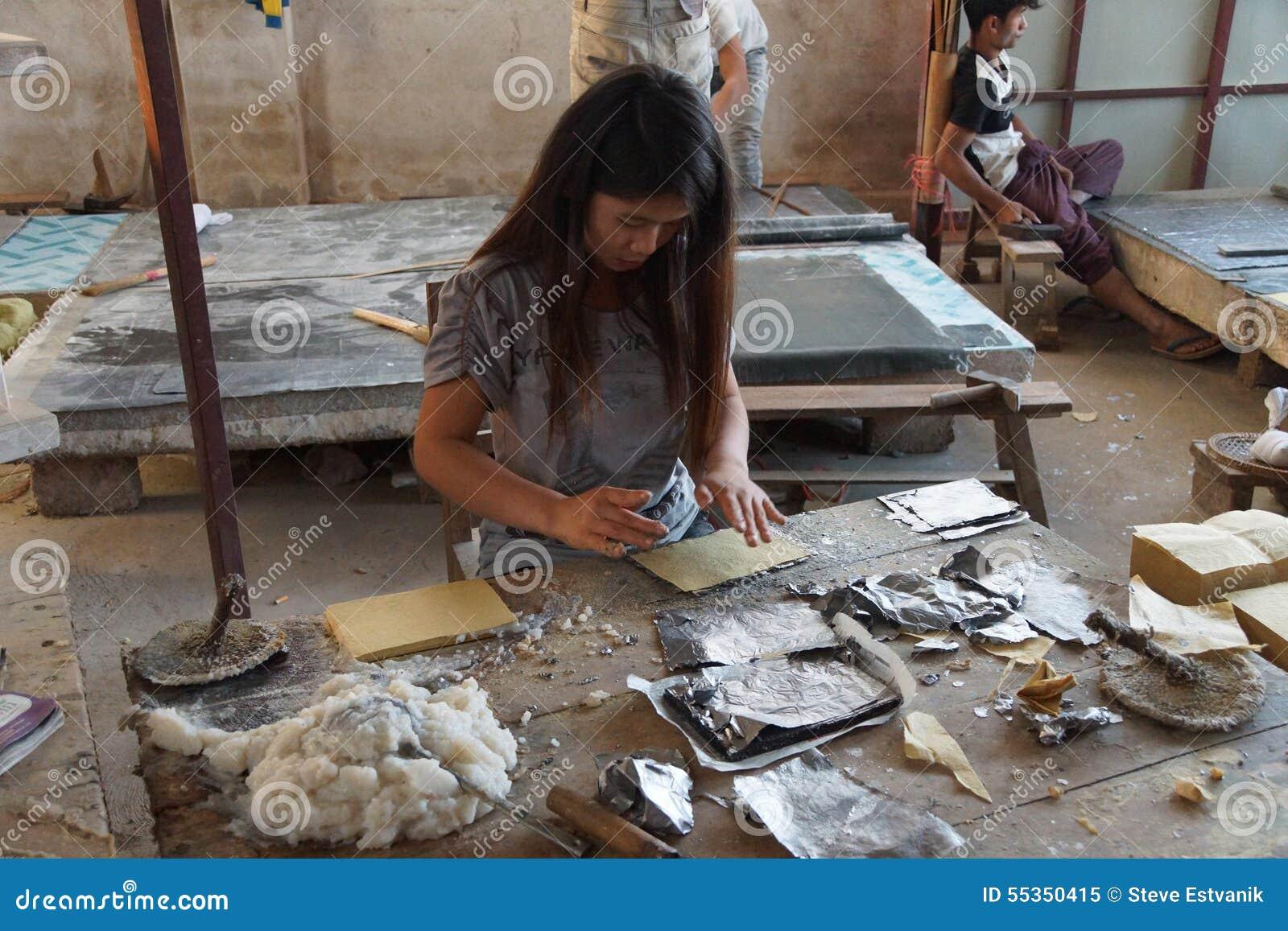 Combinazione la stagnola del cavo e della carta del bambù