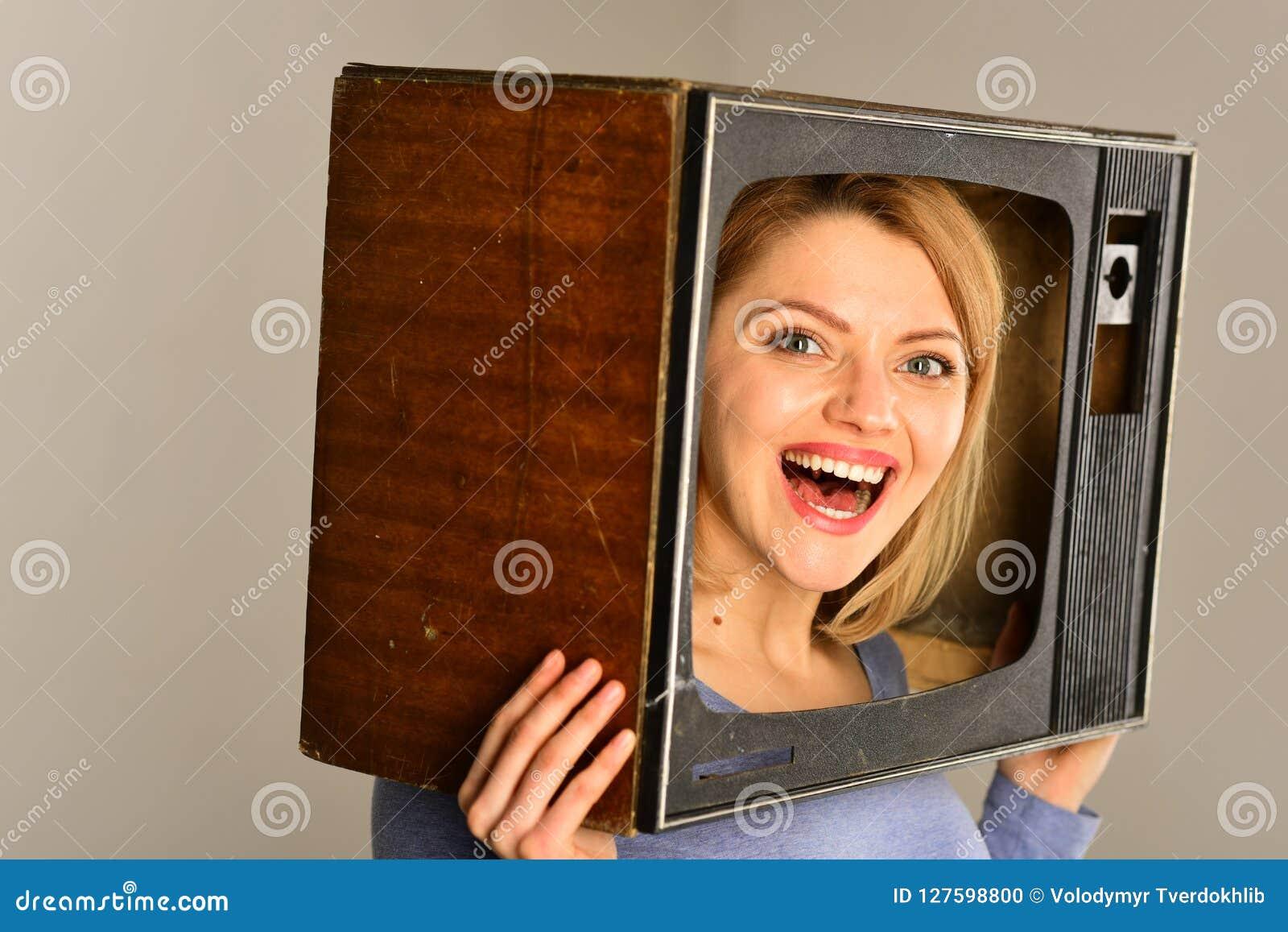 Comedia Película de observación de la comedia película de la comedia para la mujer feliz Concepto de la comedia Pasar gran tiempo