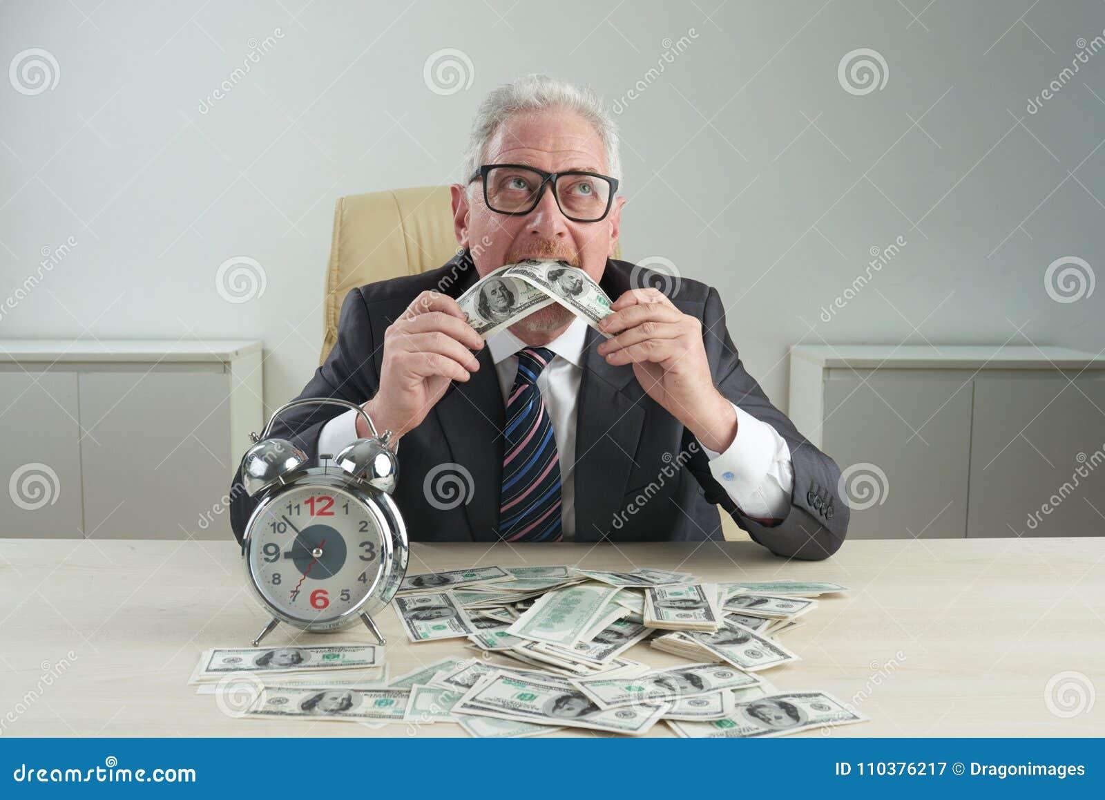 Comendo o dinheiro