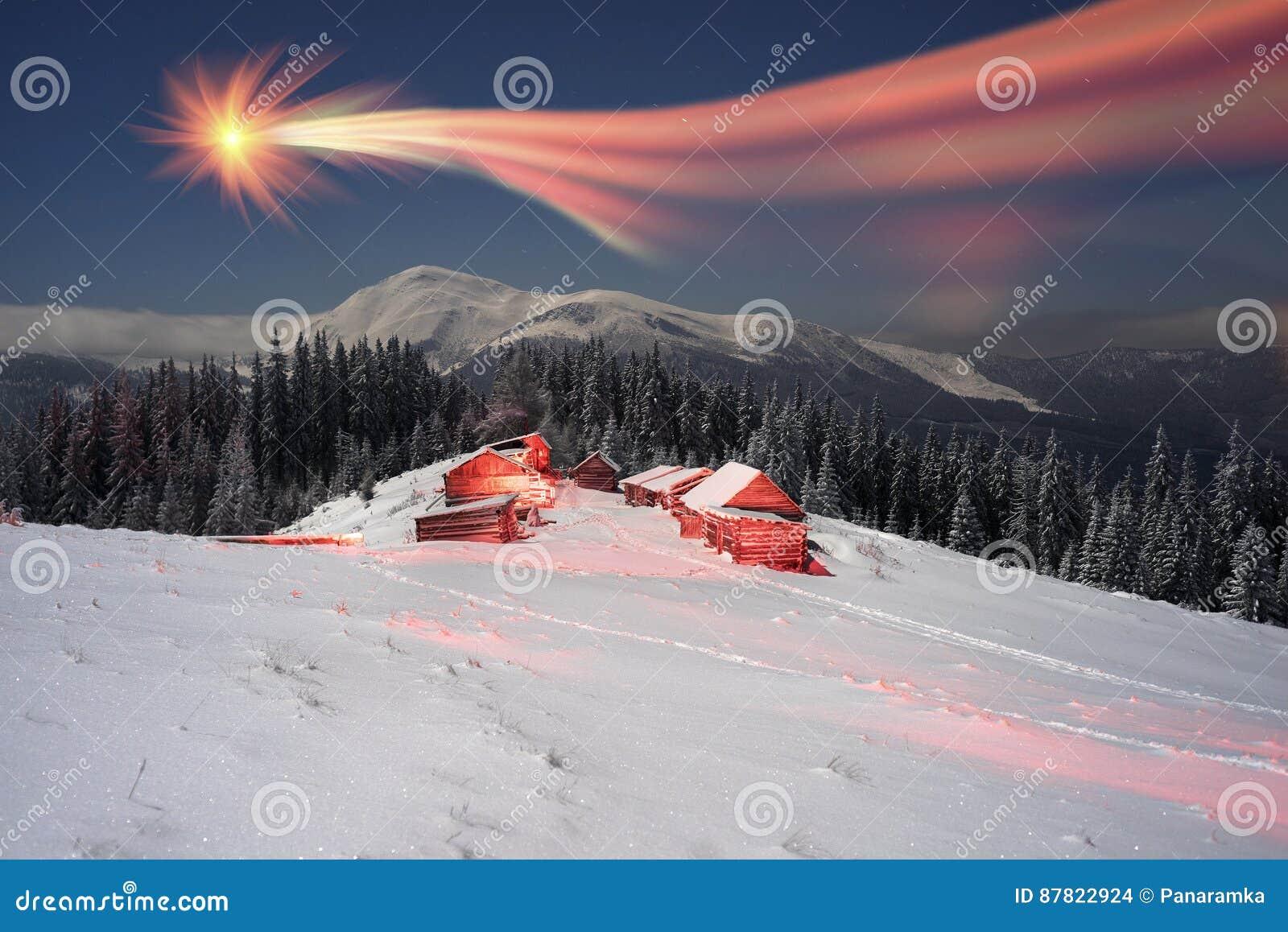 Cometa sopra la montagna Goverla