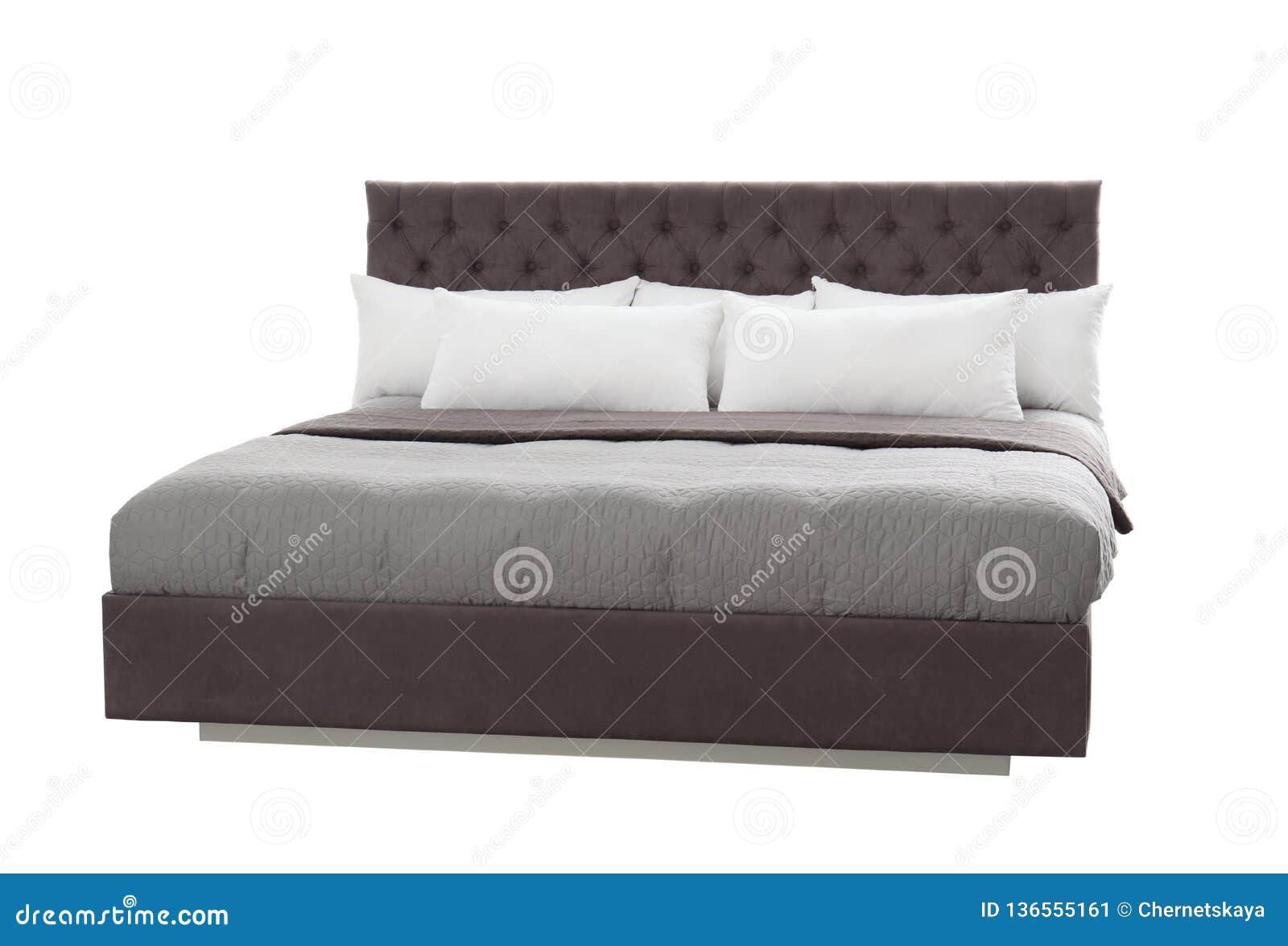 Comfortabel bed op witte achtergrond Idee voor ontwerp
