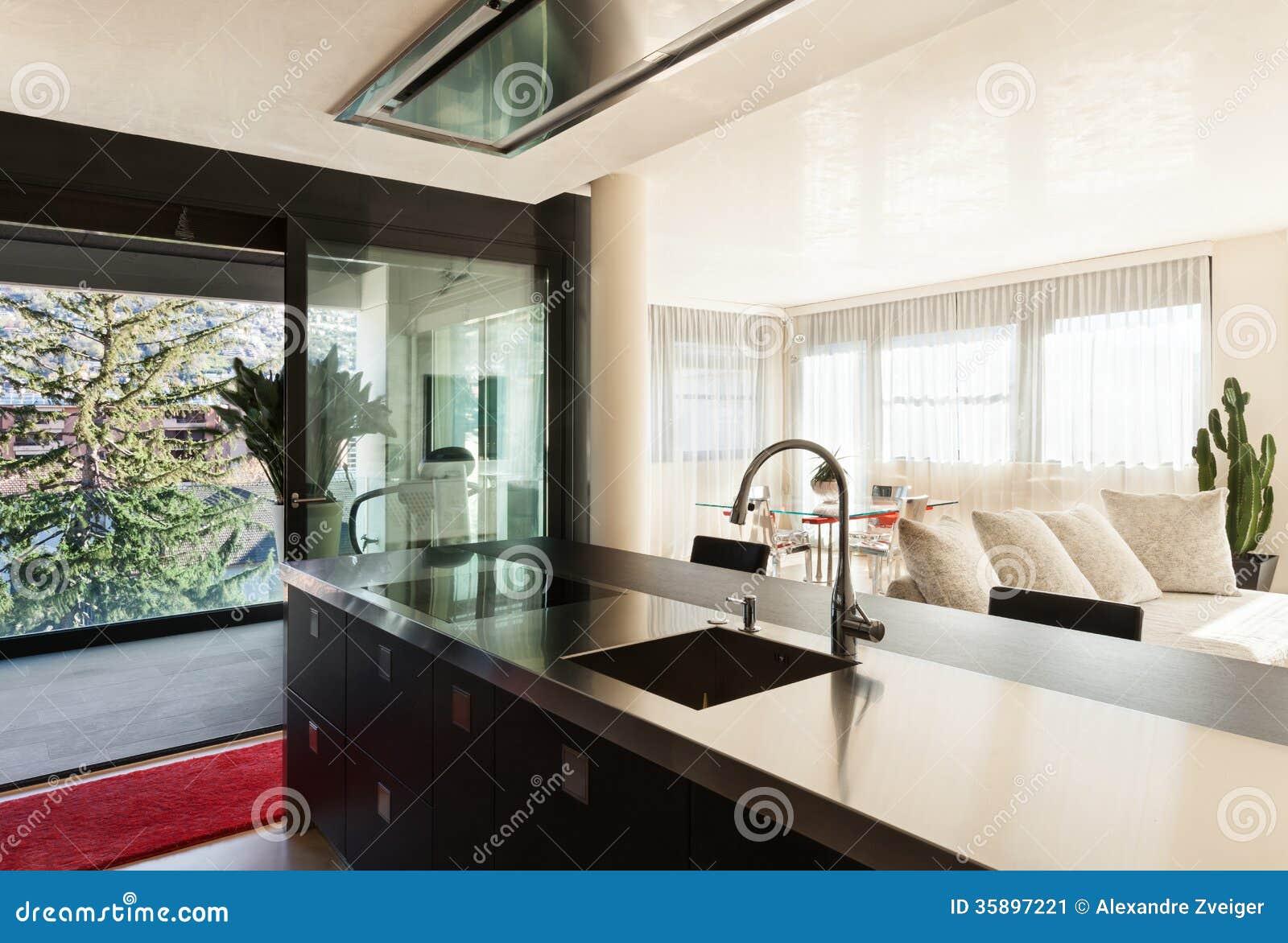 Comfortabele moderne keuken stockfoto 39 s registreer gratis - Cucina sul terrazzo ...