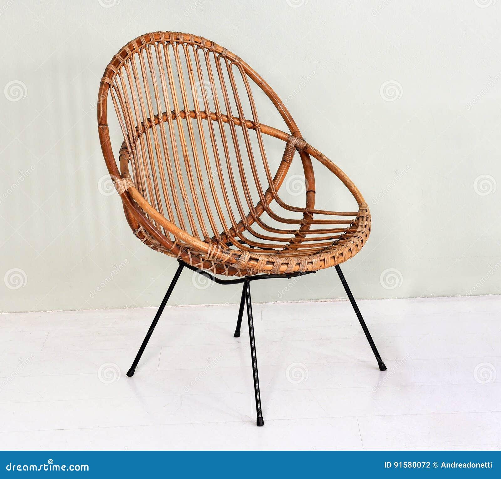Comfortabele Ronde Rieten Stoel Stock Foto Afbeelding