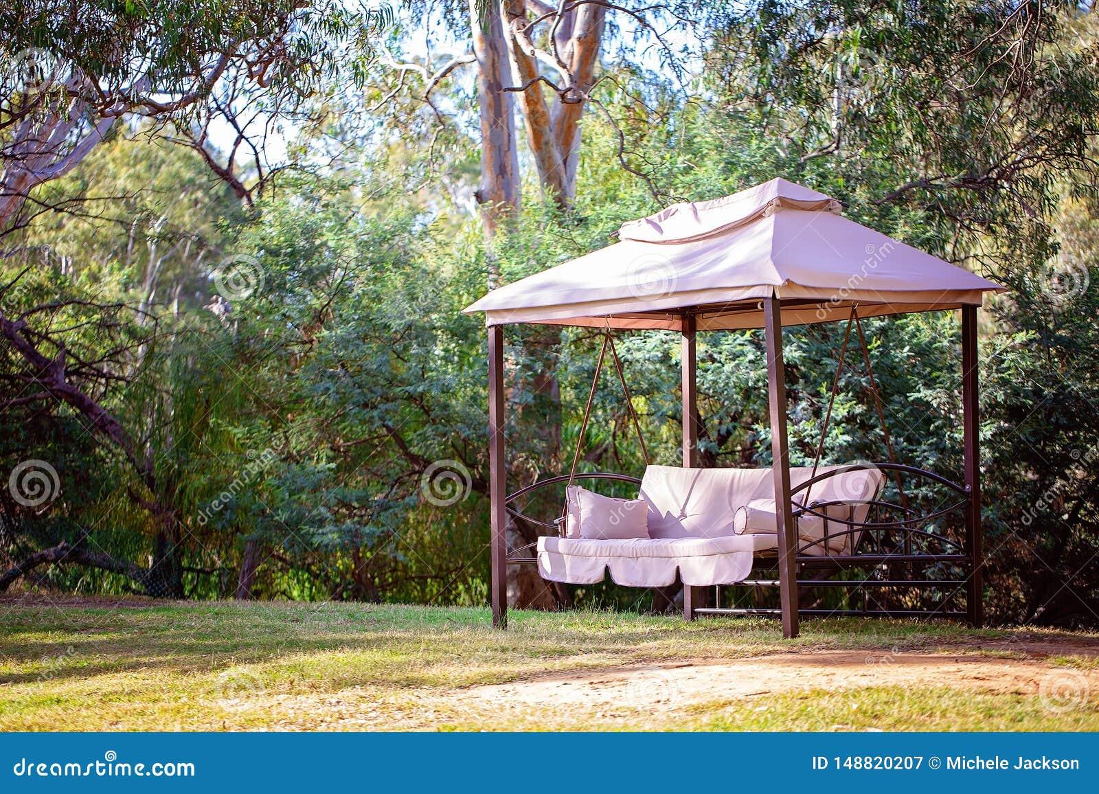 Outdoor Resting Garden Hammock Nature Retreat Relaxing Hanging Swinging Chair