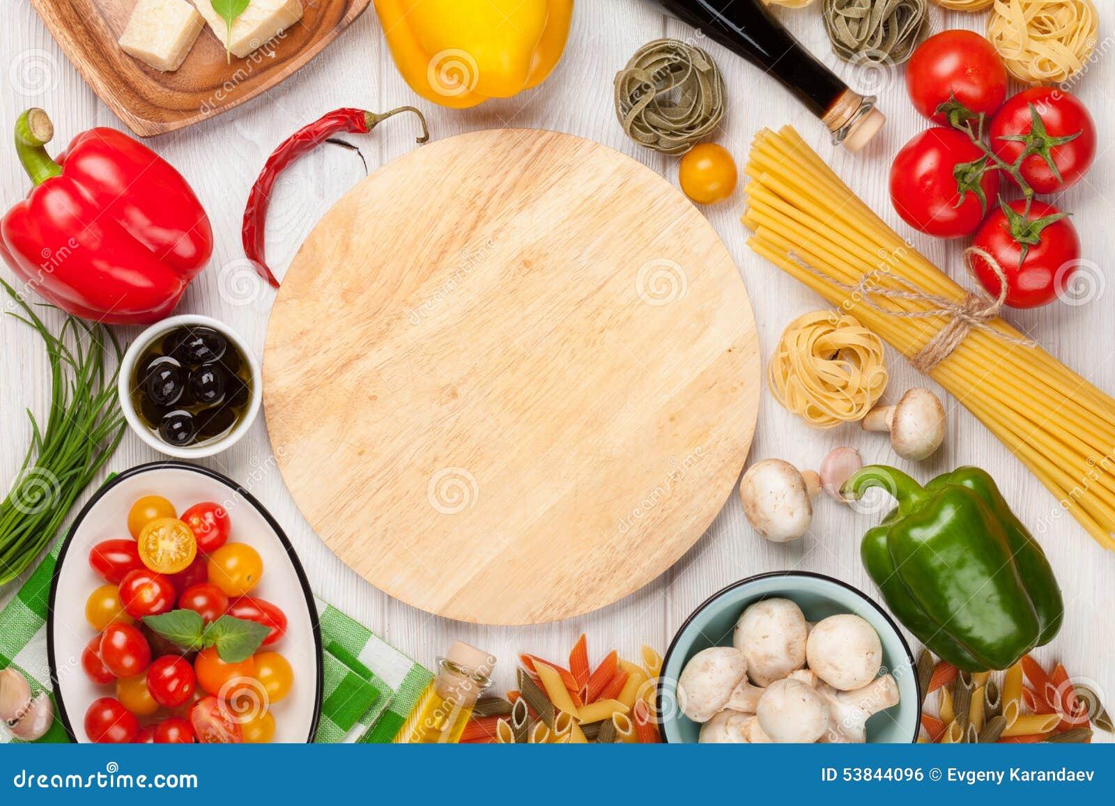 comida italiana que cocina los ingredientes pastas