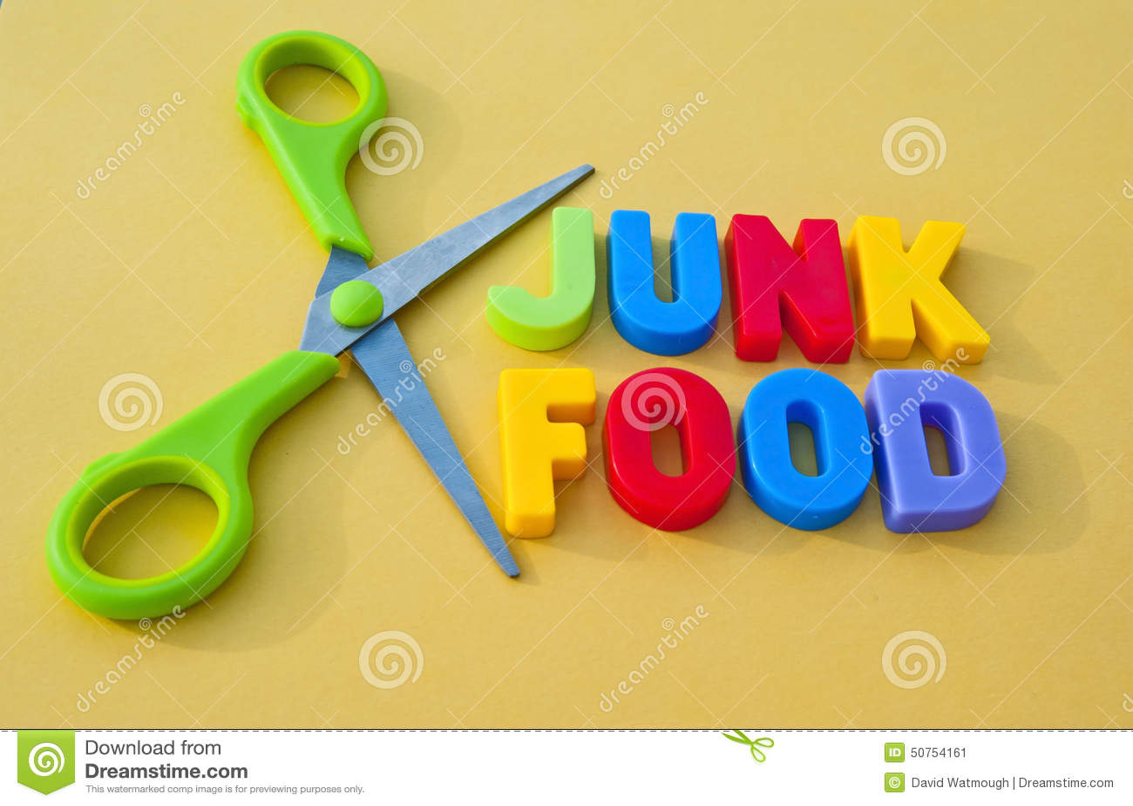 Comida lixo cortada