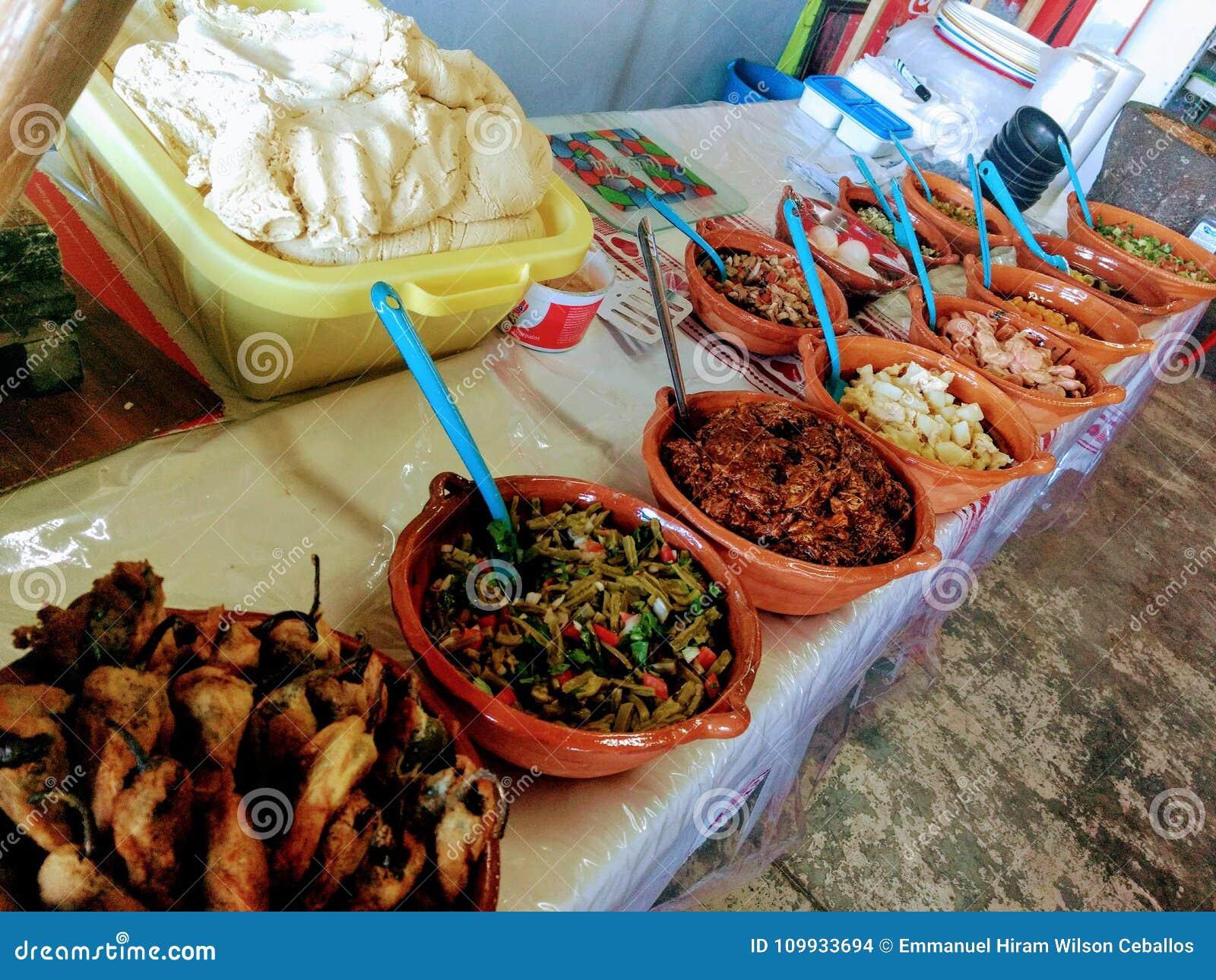 Comida Mexicana Foto De Archivo Imagen De Mexicano 109933694