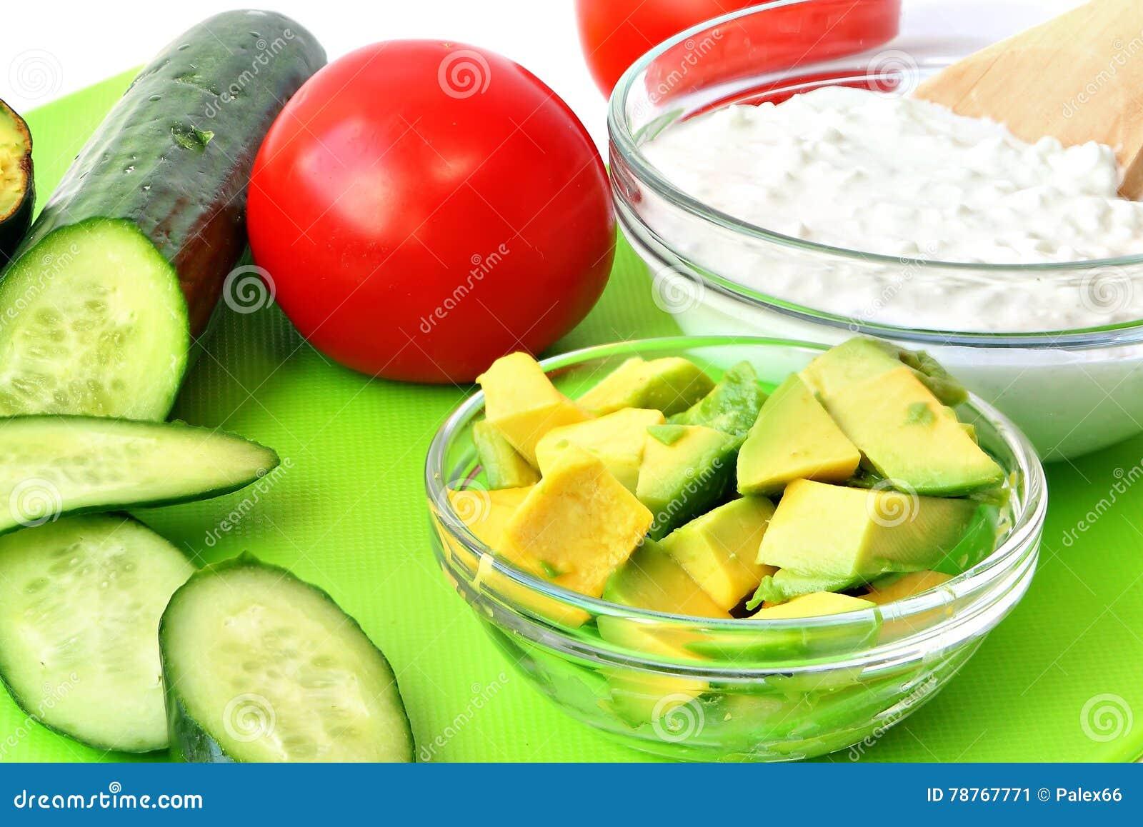 Comida sana para el desayuno o el bocado mediterráneo