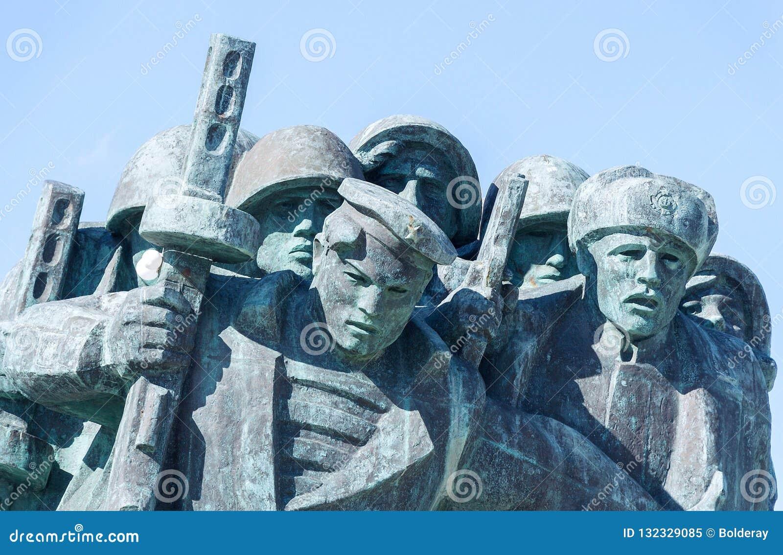 ` Commémoratif de Malaya Zemlya de ` Soldats de la cavalerie le 4 février 1943 closeup Ville de héros de Novorossiysk mémoire 9 m
