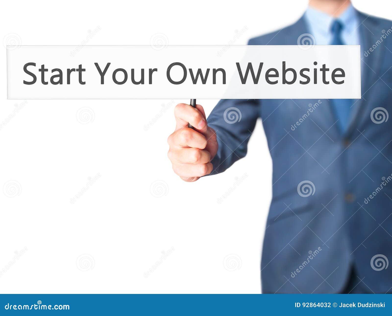 Commencez votre propre site Web - homme d affaires montrant le signe