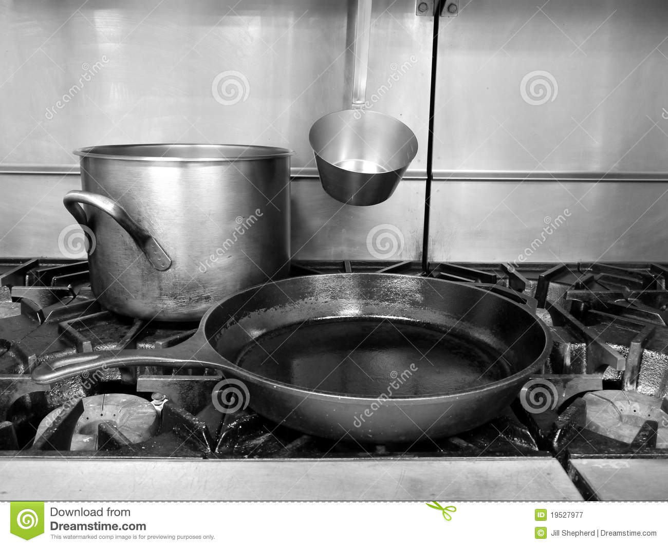 Kitchen Stove Top commercial kitchen: stove top pan stock images - image: 19210284