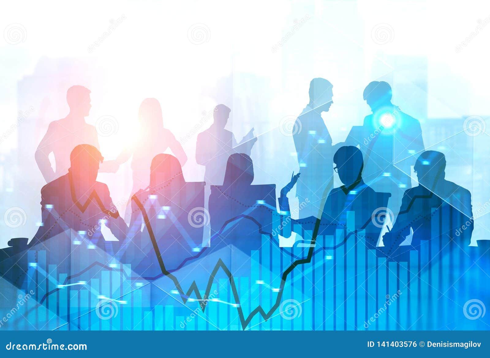 Commercieel team bij bureaulijst, grafieken