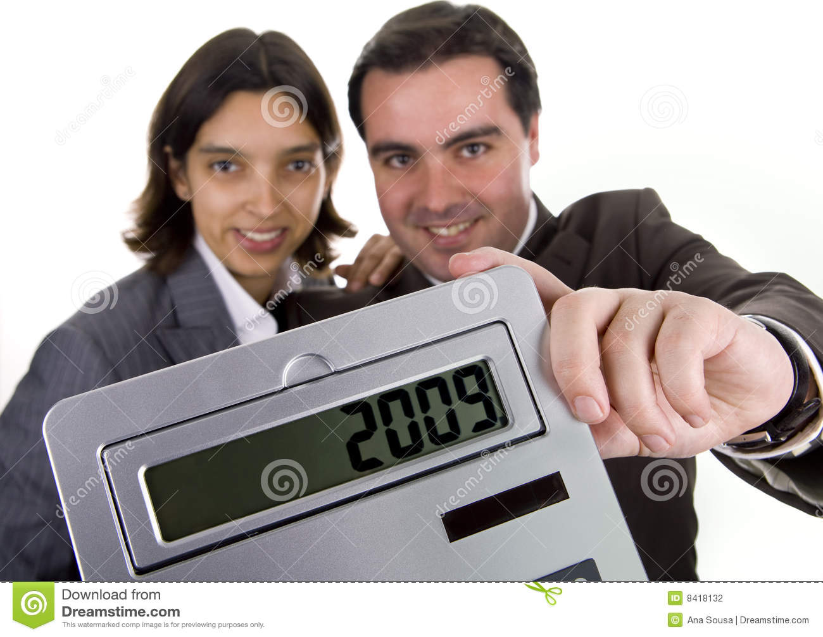 Commercieel team dat een calculator houdt