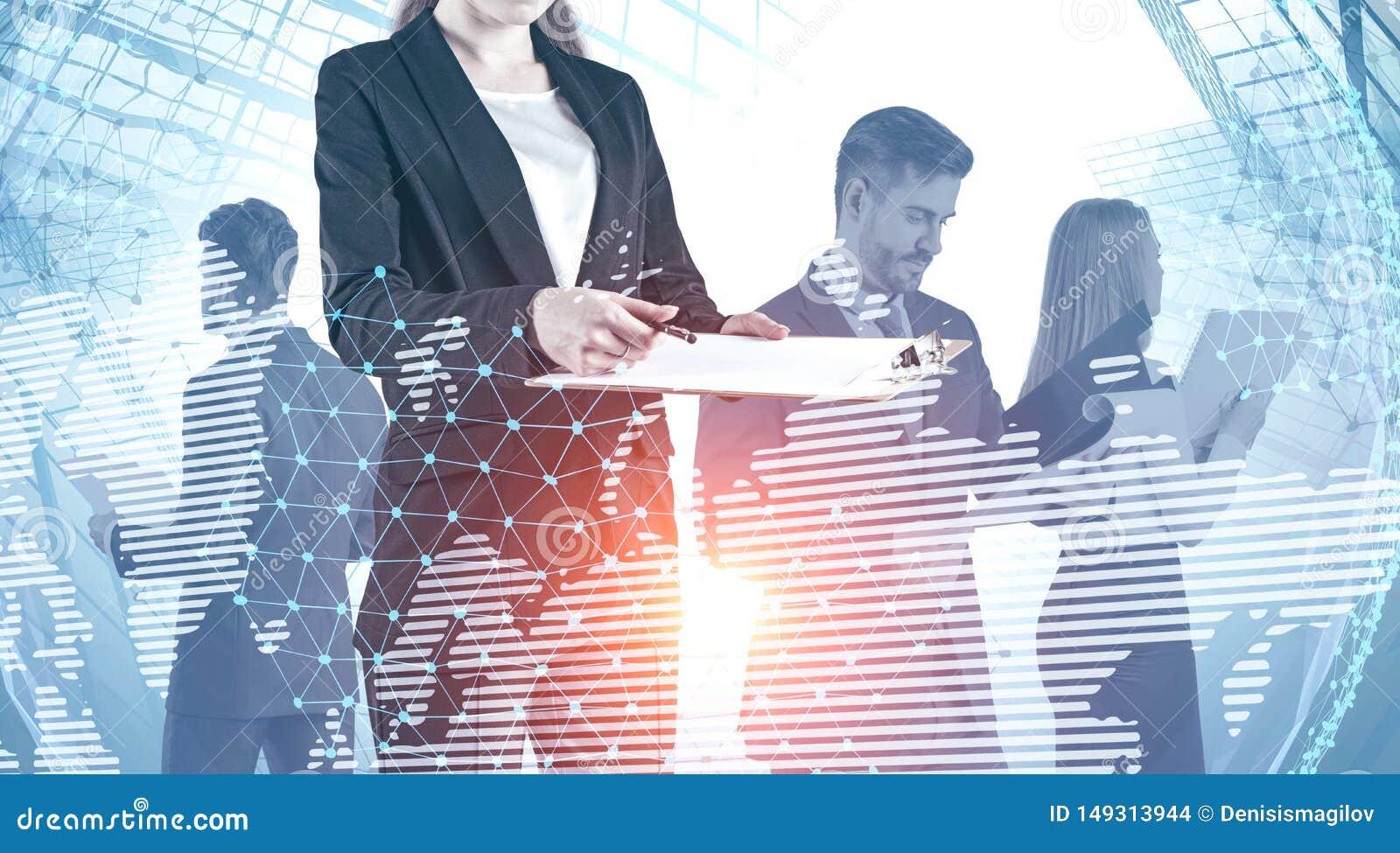 Commercieel team in stad, wereldkaart