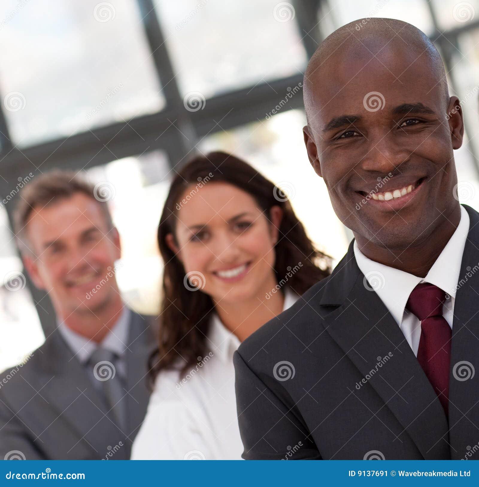 Commercio dell uomo dell afroamericano che piombo una squadra
