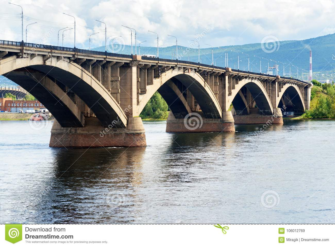 The bridge over Kacha in Krasnoyarsk will be open in September 39