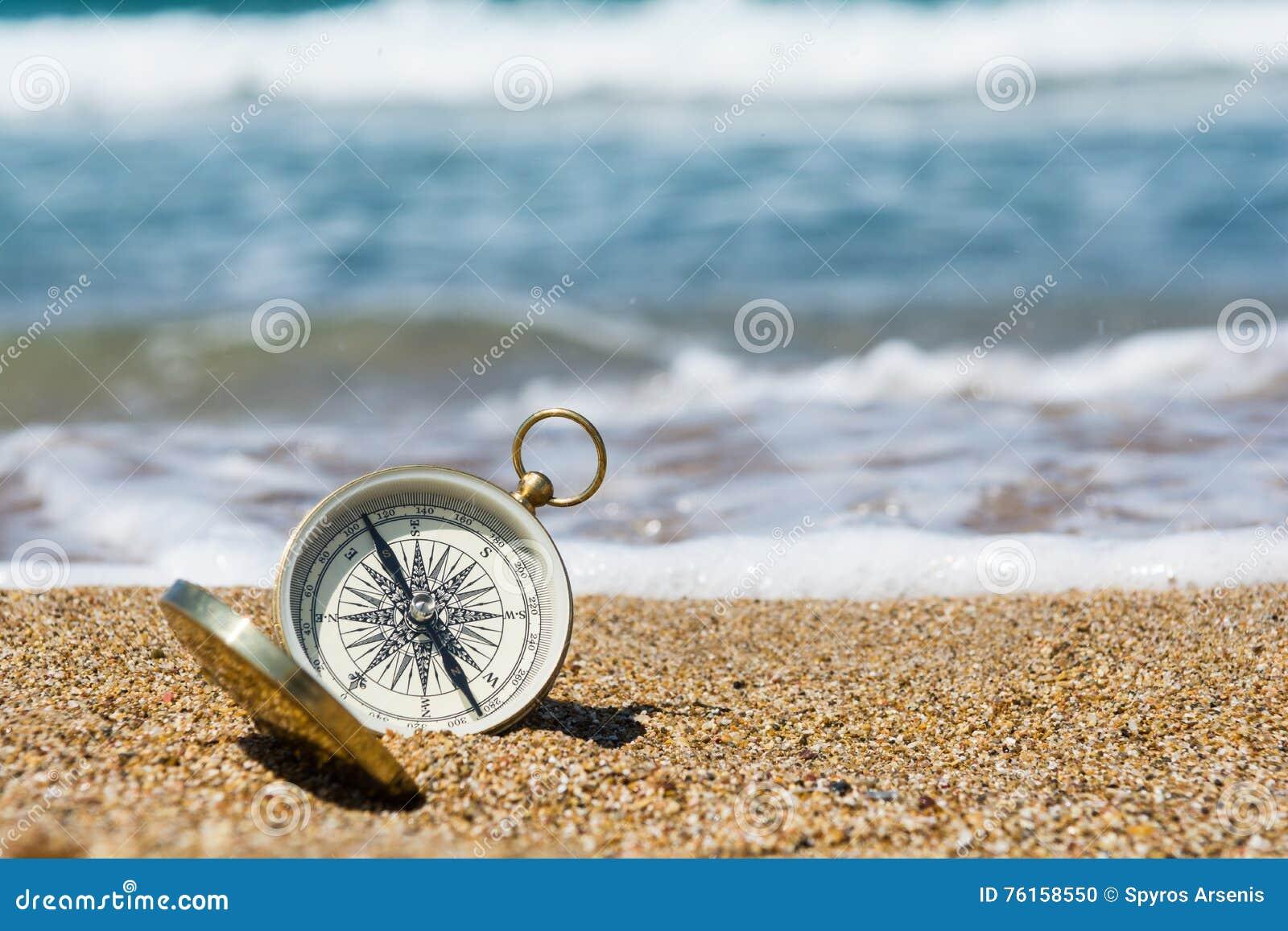 Compás en la playa