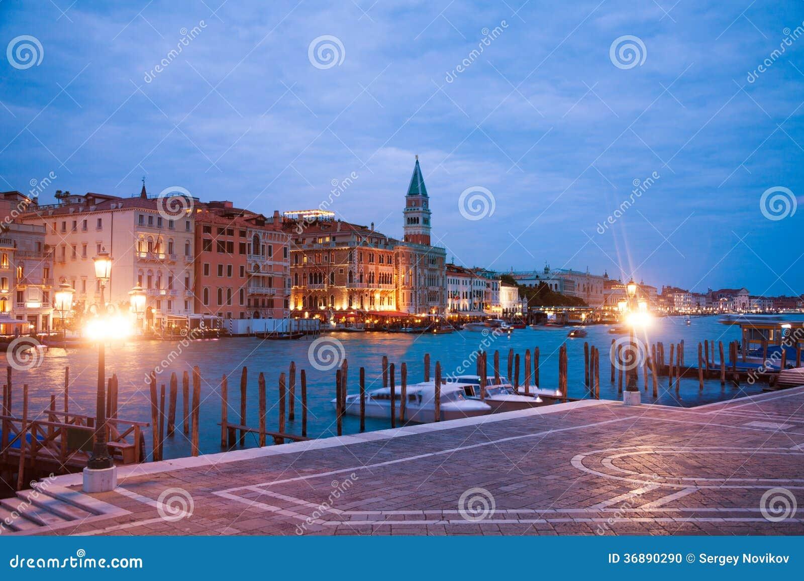 Download Compagnia Della Vela E Canal Grande Fotografia Stock - Immagine di della, sera: 36890290