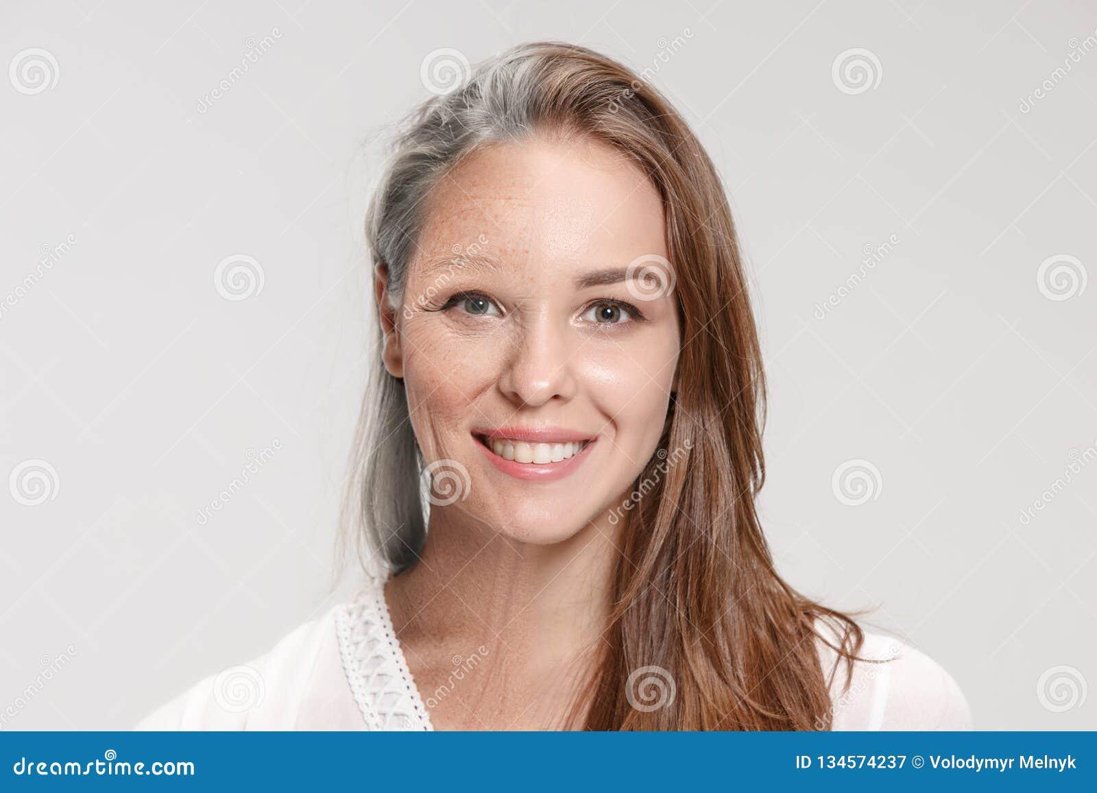 Comparación Retrato de la mujer hermosa con el problema y el concepto limpio de la piel, del envejecimiento y de la juventud, tra