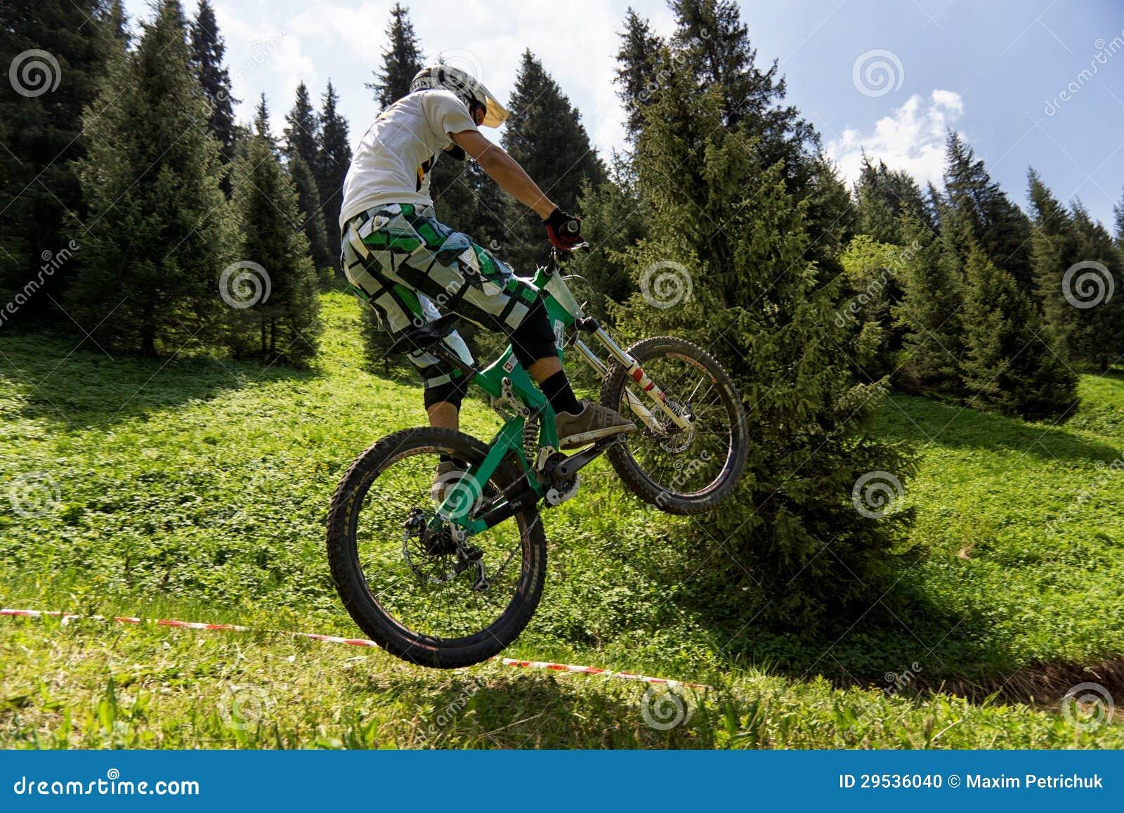 Competição extrema do Mountain bike