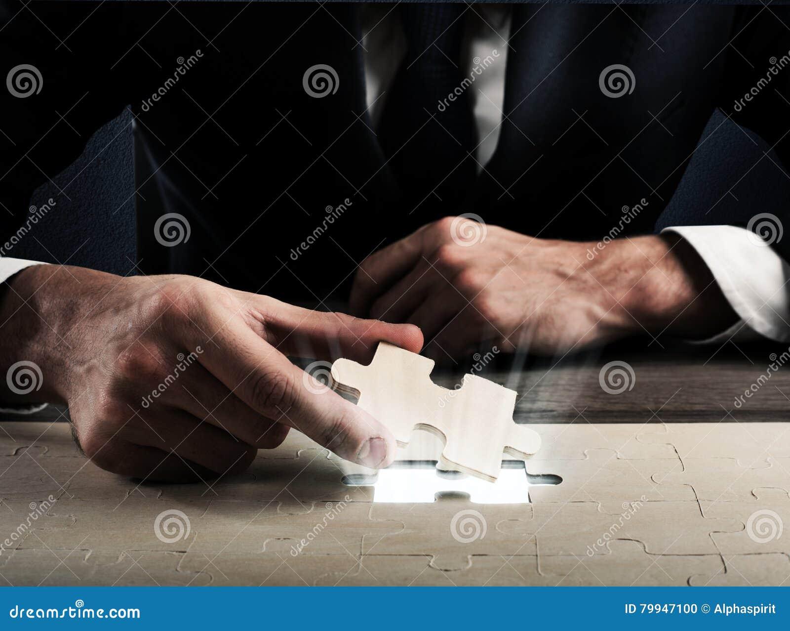 Completi un puzzle fotografia stock immagine 79947100 - Collegamento stampabile un puzzle pix ...