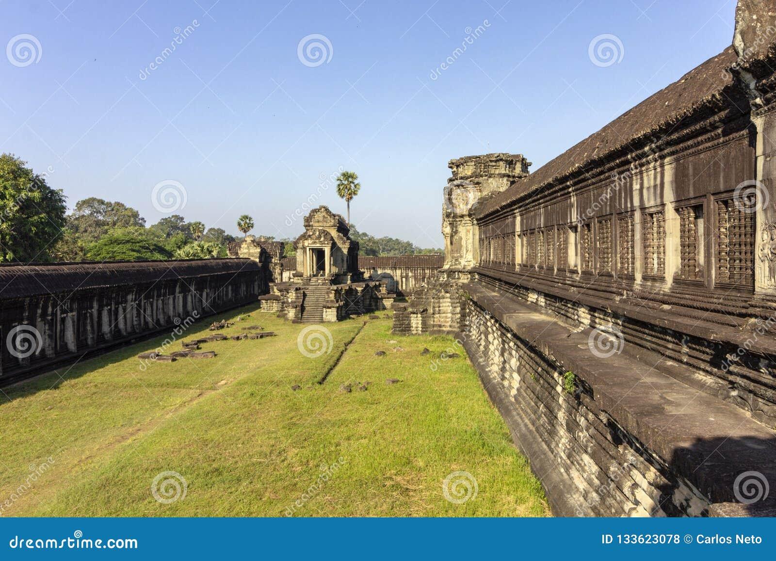 Complexe de temple antique d Angkor Vat, mille bibliothèques du nord de Dieu, un des plus grands monuments religieux dans le mond