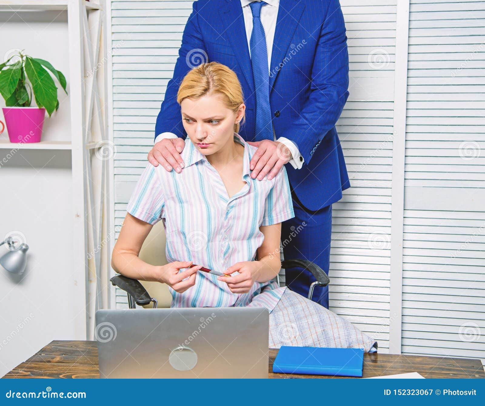 Comportamento inaccettabile nel luogo di lavoro Relazioni vietate sul lavoro Molestia sessuale nel luogo di lavoro Responsabile d