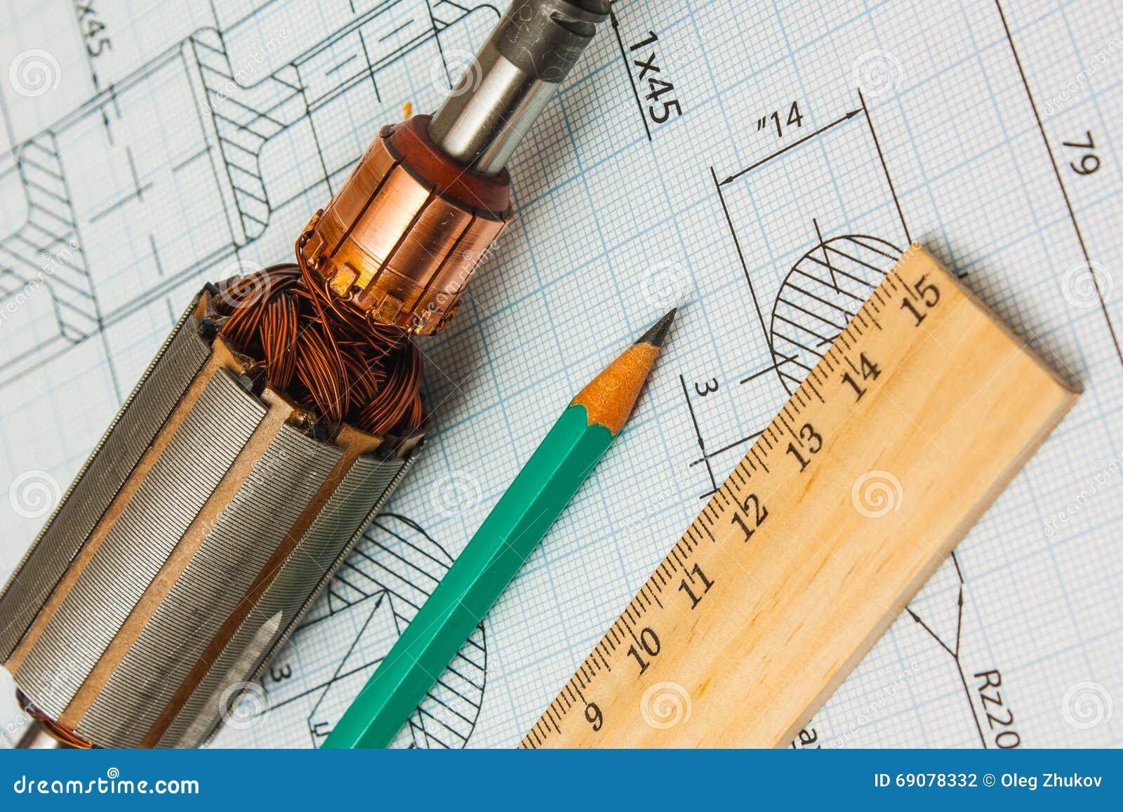 Composants électriques et outils de mesure de papeterie