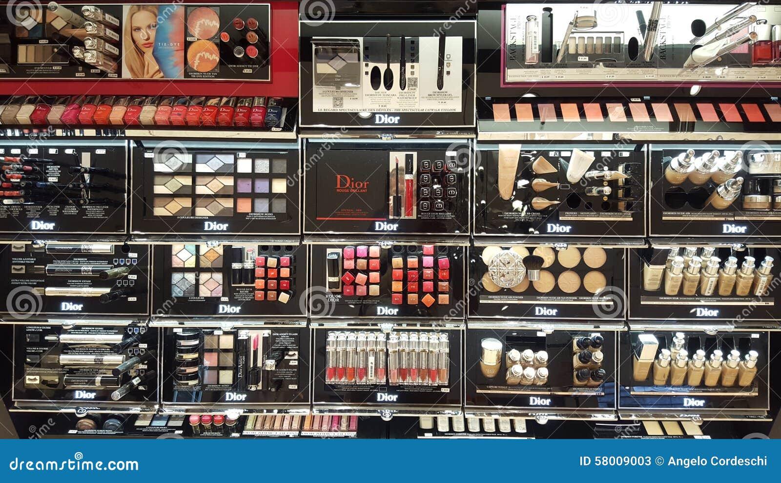 Composez les produits Étagères de boutique