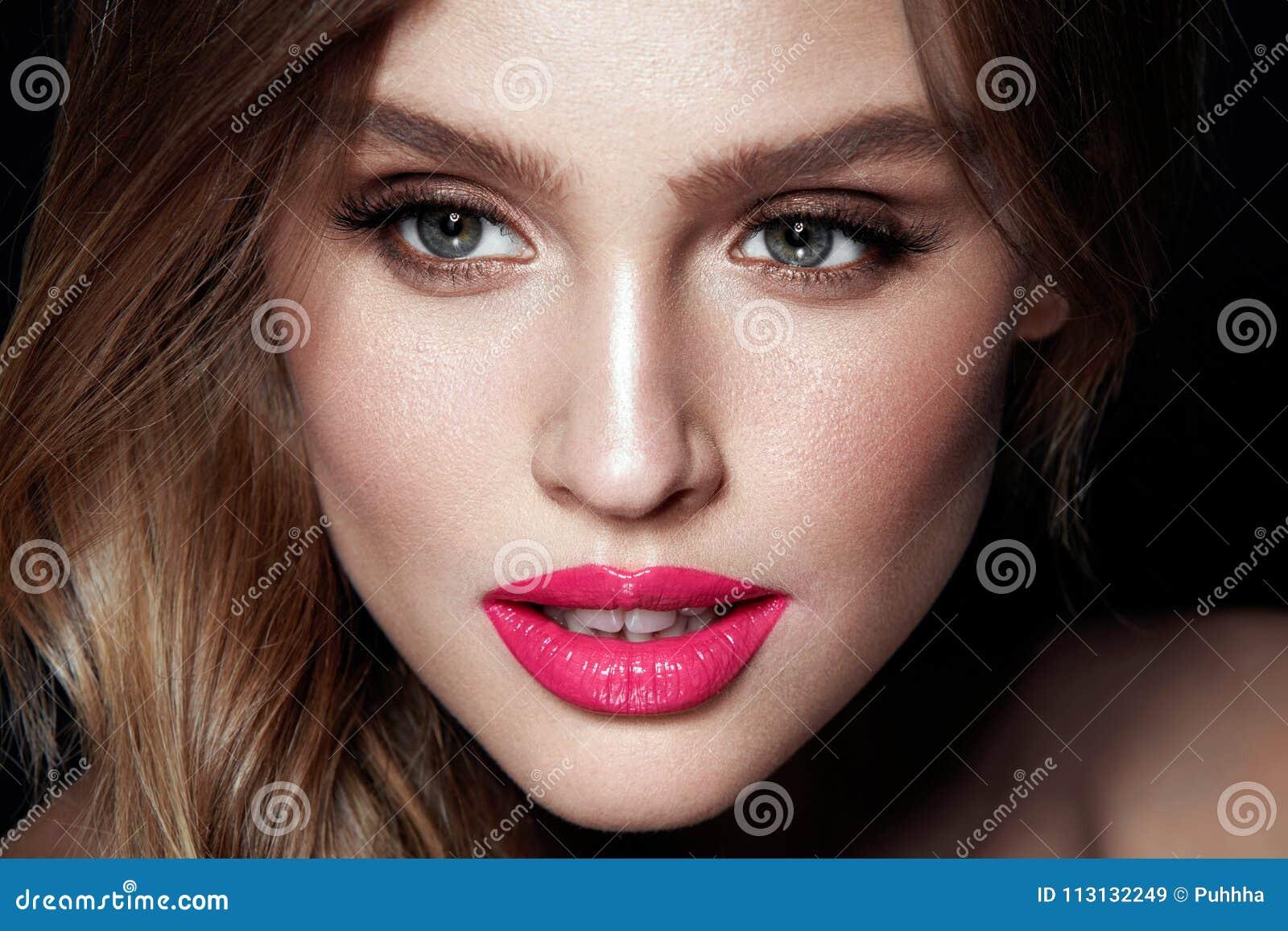 Composição da forma Mulher  sexy  com cara da beleza
