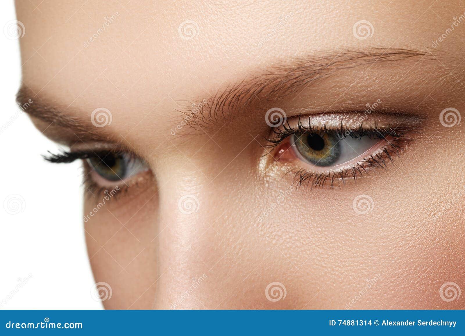 Composição do olho Composição bonita dos olhos Detalhe da composição do feriado longo