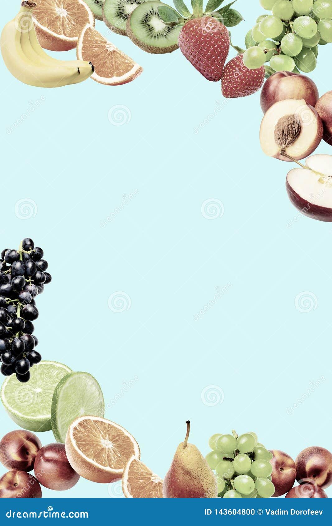 Composition avec une grande variété de différents fruits dans les coins inférieurs et supérieurs du cadre Endroit pour le texte a