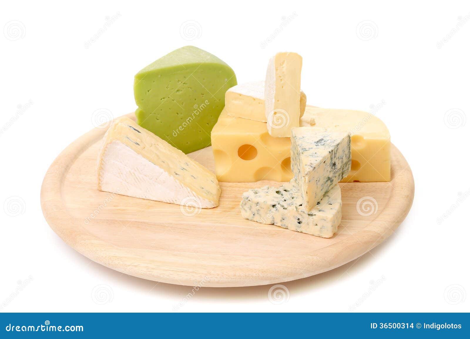Composition de fromage de plat en bois.