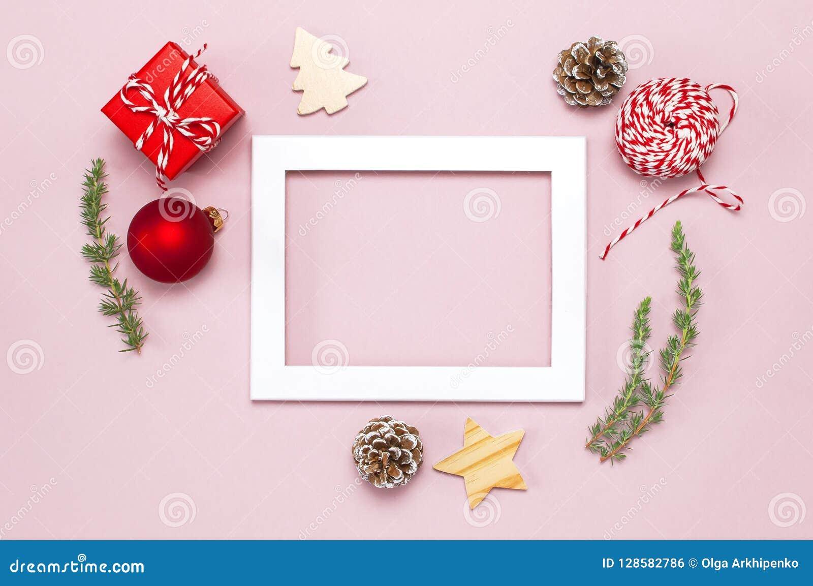 Boule De Noel Ficelle.Composition De Noël Le Cadre Blanc De Photo Sapin S