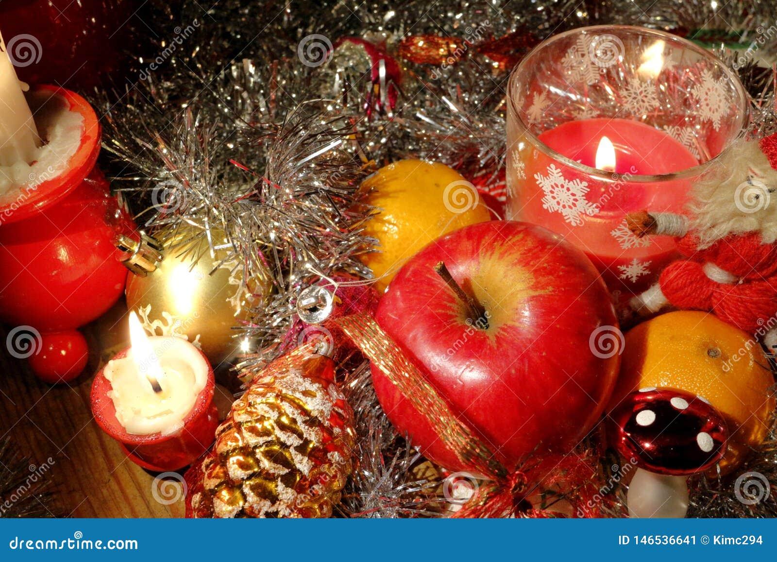 Composition de No?l Articles typiques de décoration de Noël
