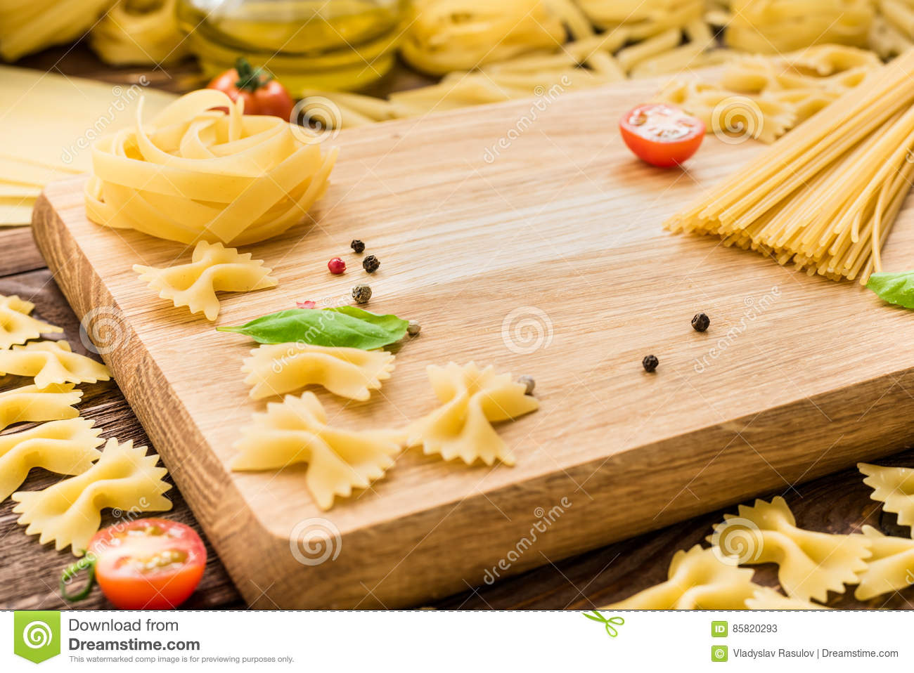 dry pasta When it comes to pasta, you can choose between fresh pasta and dry keep reading to find out what's the difference and when to use which kind.