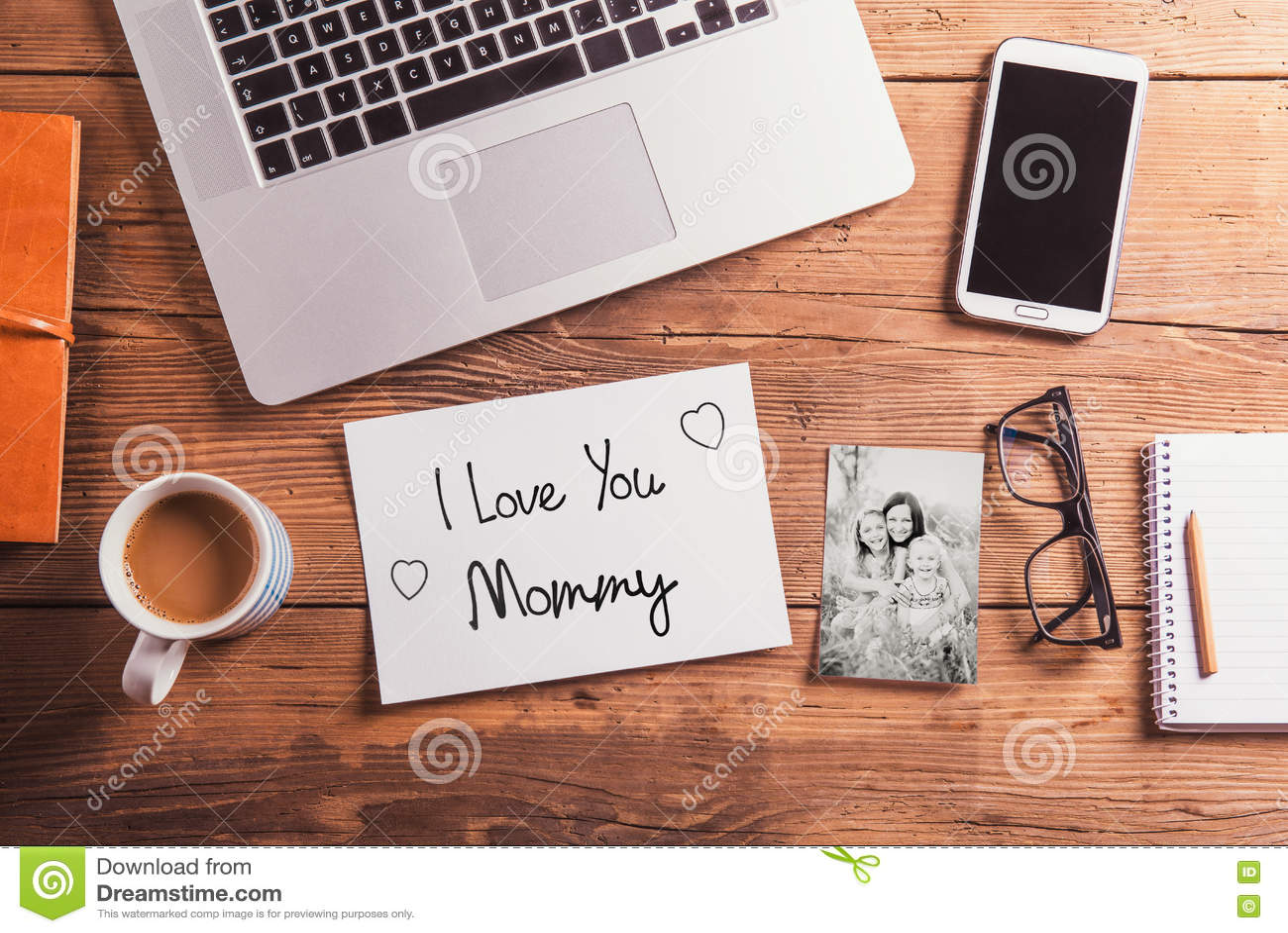 Composition en jour de mères Photo noire et blanche concept pour des affaires et la journalisation courtisez