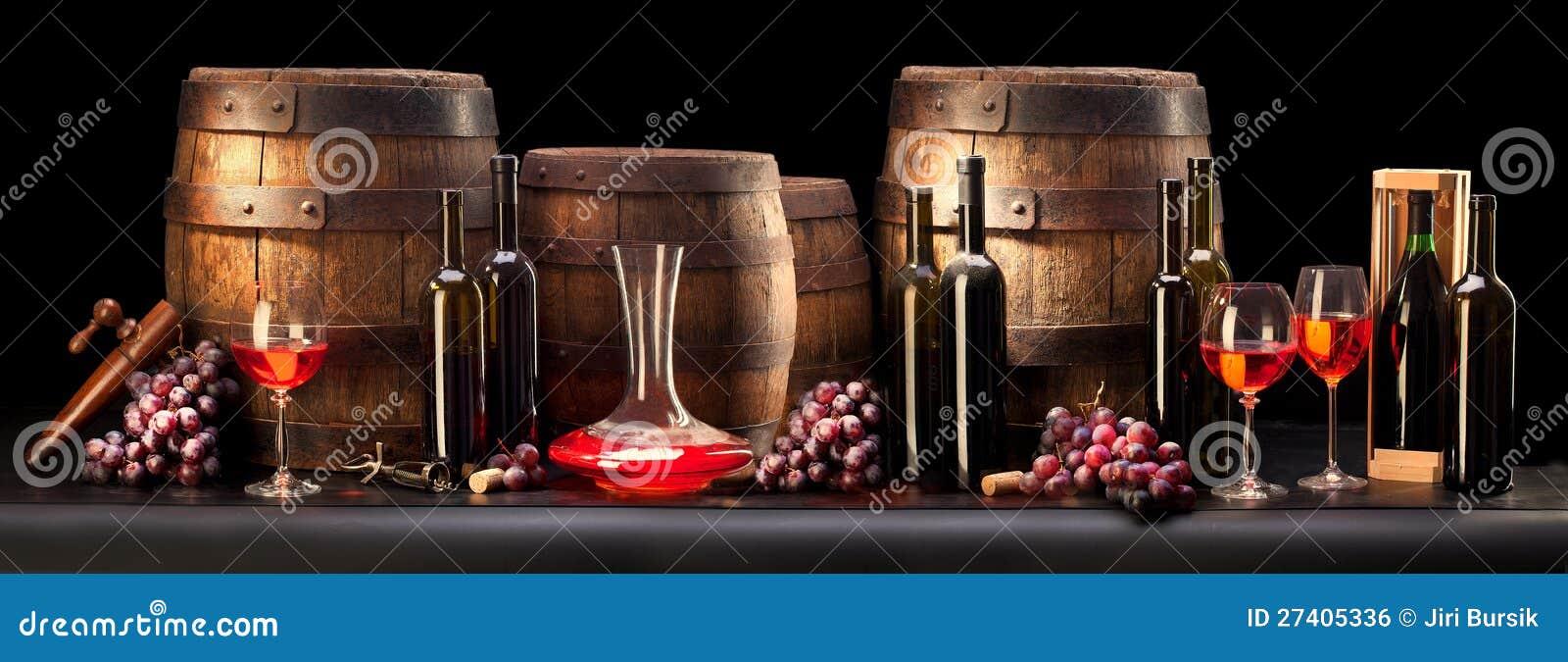 Composizione con vino rosso