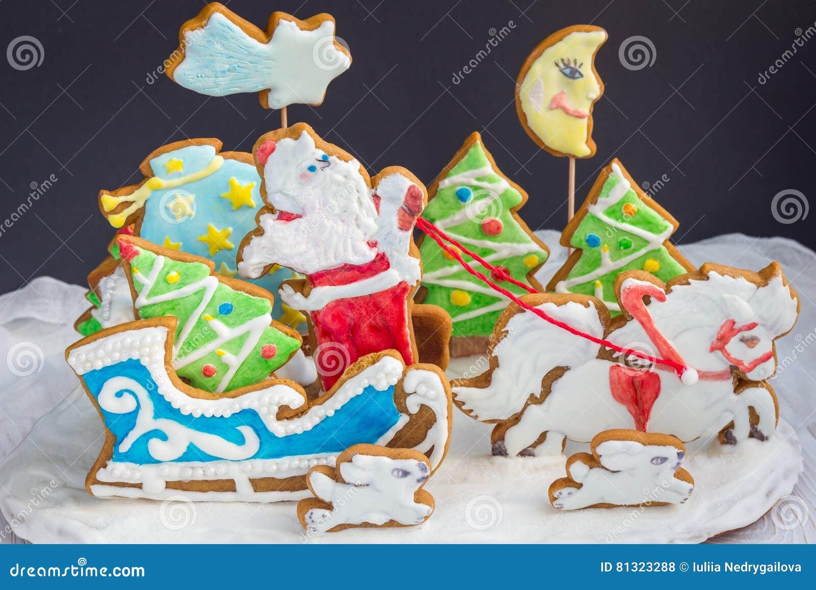 Biscotti Albero Di Natale 3d.Composizione In Natale 3d Dai Biscotti Al Forno Del Pan Di Zenzero