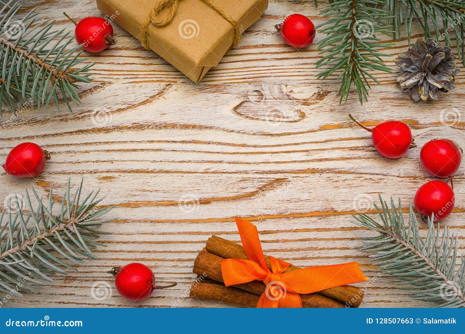 Regali Di Natale In Legno.Composizione In Natale Regali Di Natale Rami Di Albero Dell Abete
