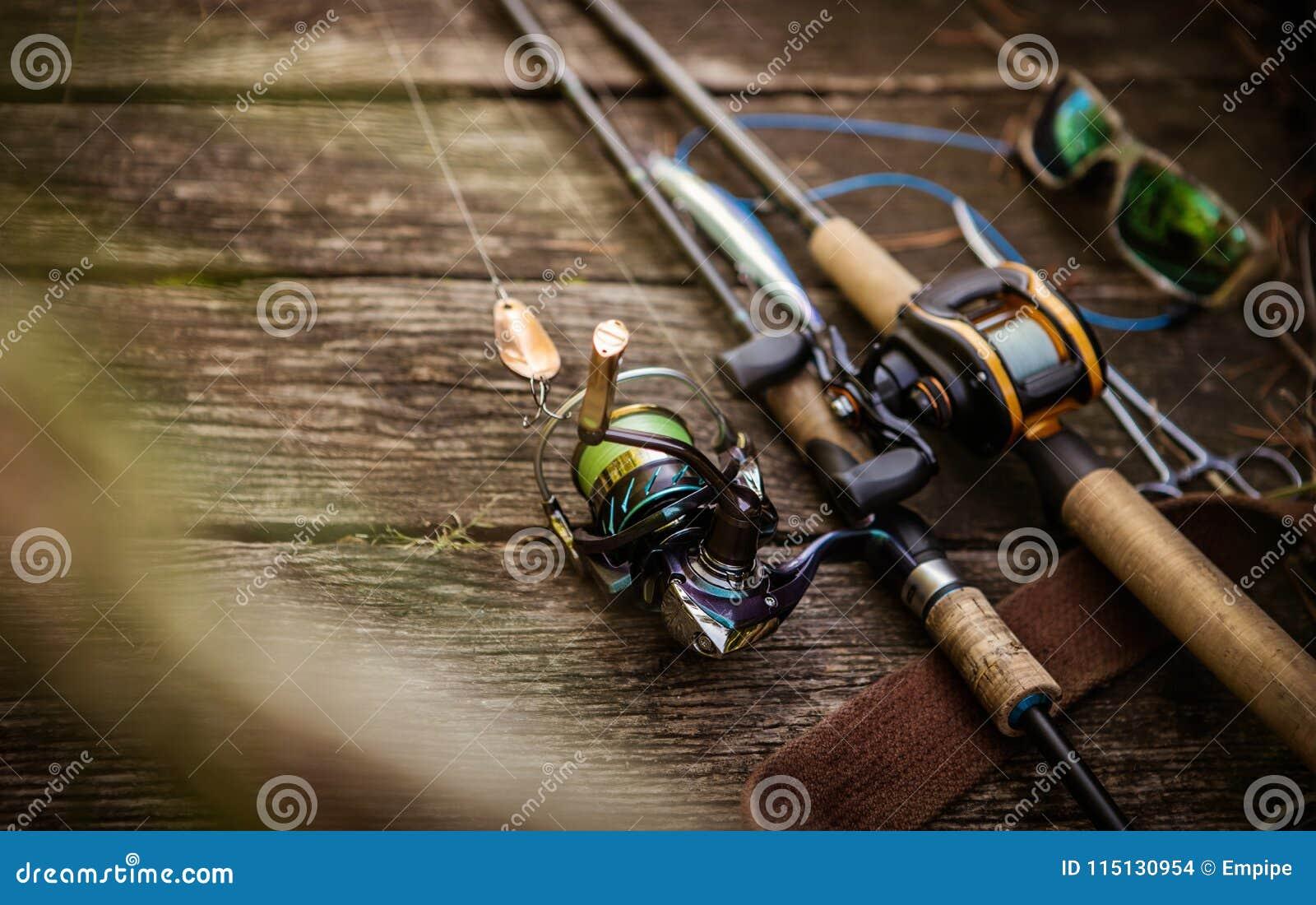 Composizione nell attrezzatura di pesca, fondo di legno