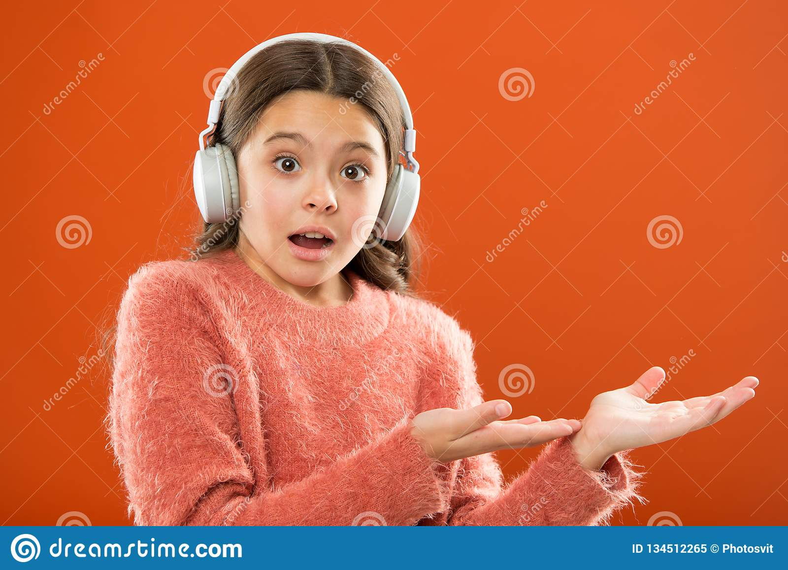 Compruebe hacia fuera el espacio de la copia del servicio de la música Consiga la suscripción de la cuenta de la música Disfrute